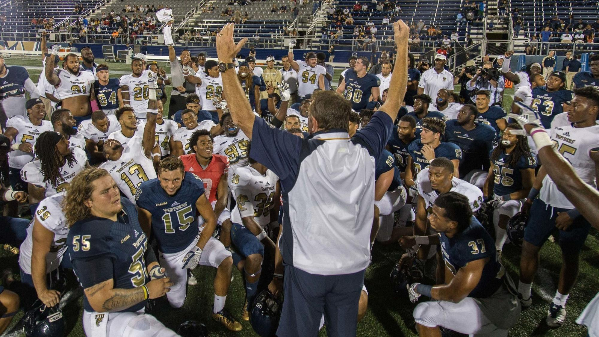 Butch Davis And Fiu Attempt To Build On Last Season S Success Sun