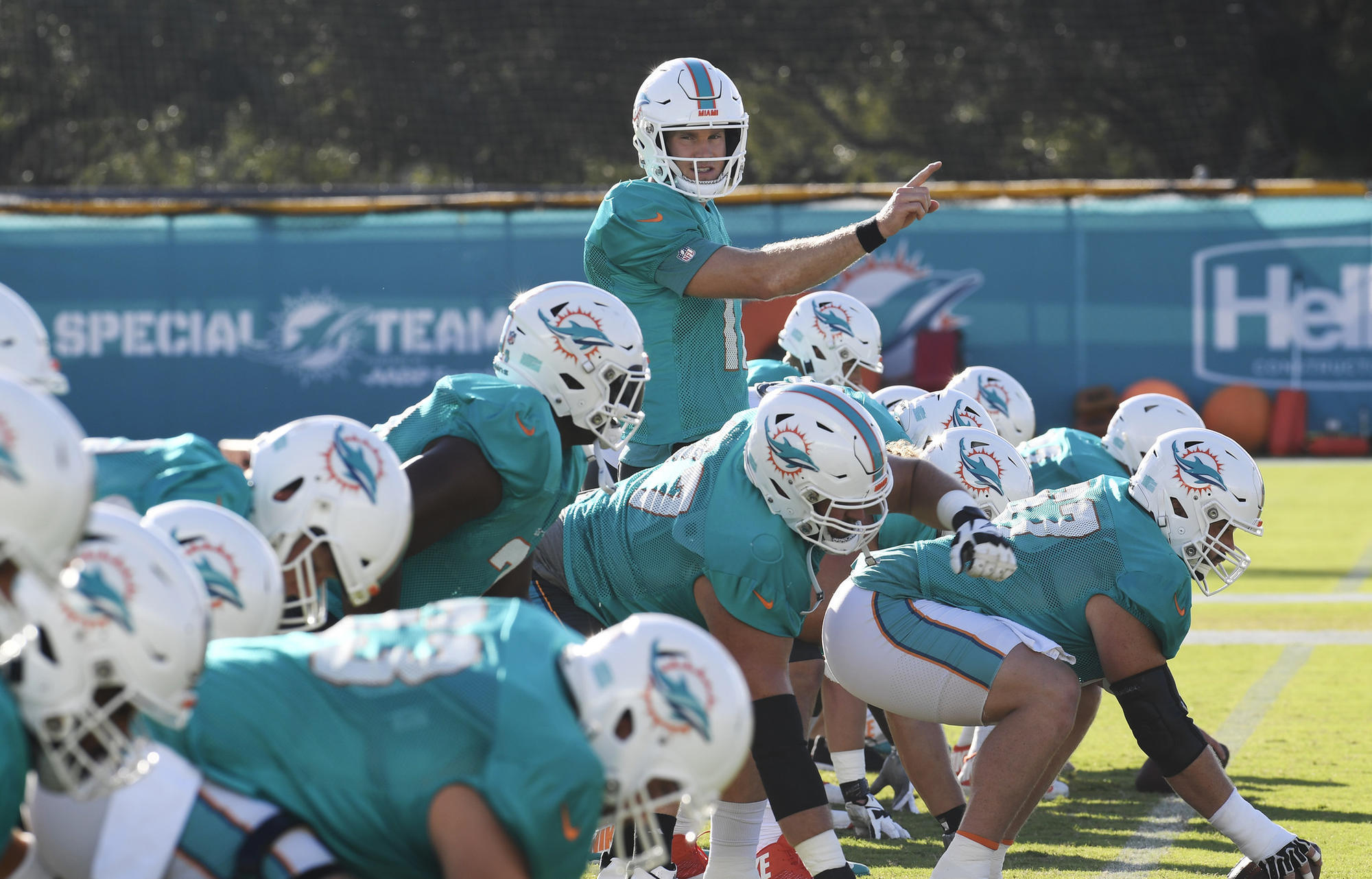 6d3af4230 Do Dolphins have a chance  Perhaps this is the year Patriots don t win AFC  East