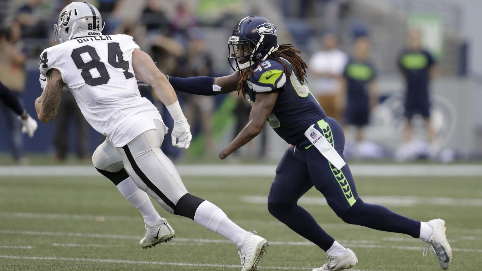 one handed star shaquem griffin earns spot on seattle seahawks