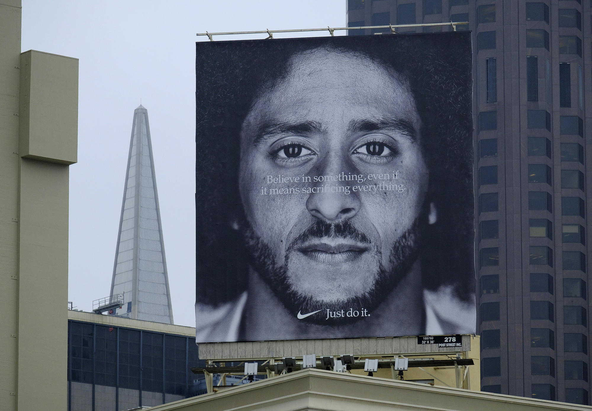 d3140694e393f Why Under Armour couldn't 'just do' a deal like Nike and Kaepernick -  Baltimore Sun