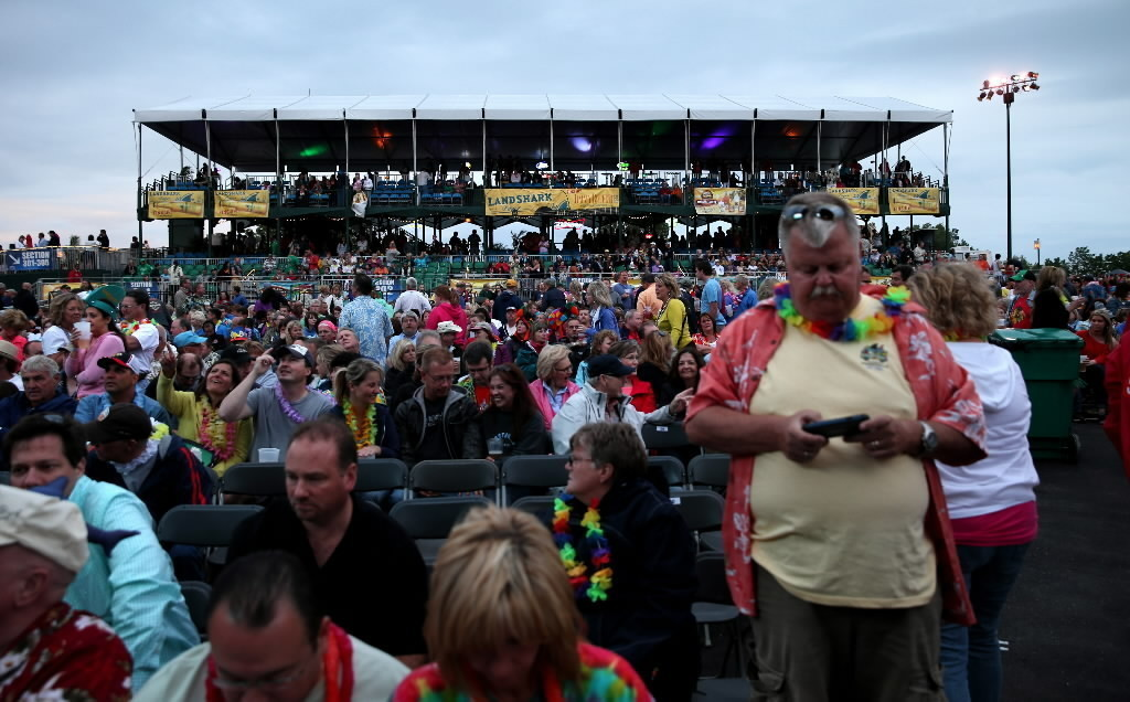 Live Nation offers tickets to Buffett fans stuck in muddy