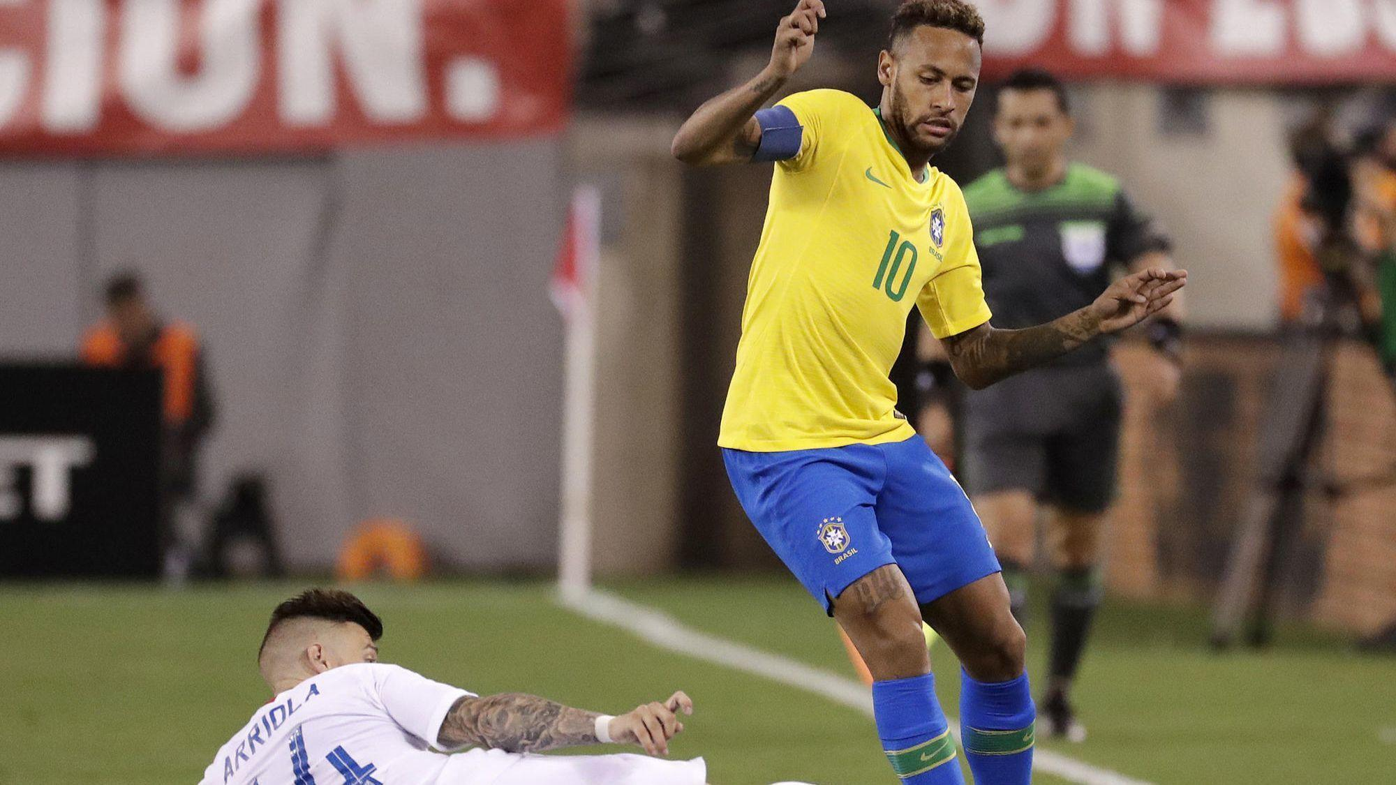 247332a49f8 U.S. men s soccer team falls to Brazil 2-0 behind goals from Neymar ...