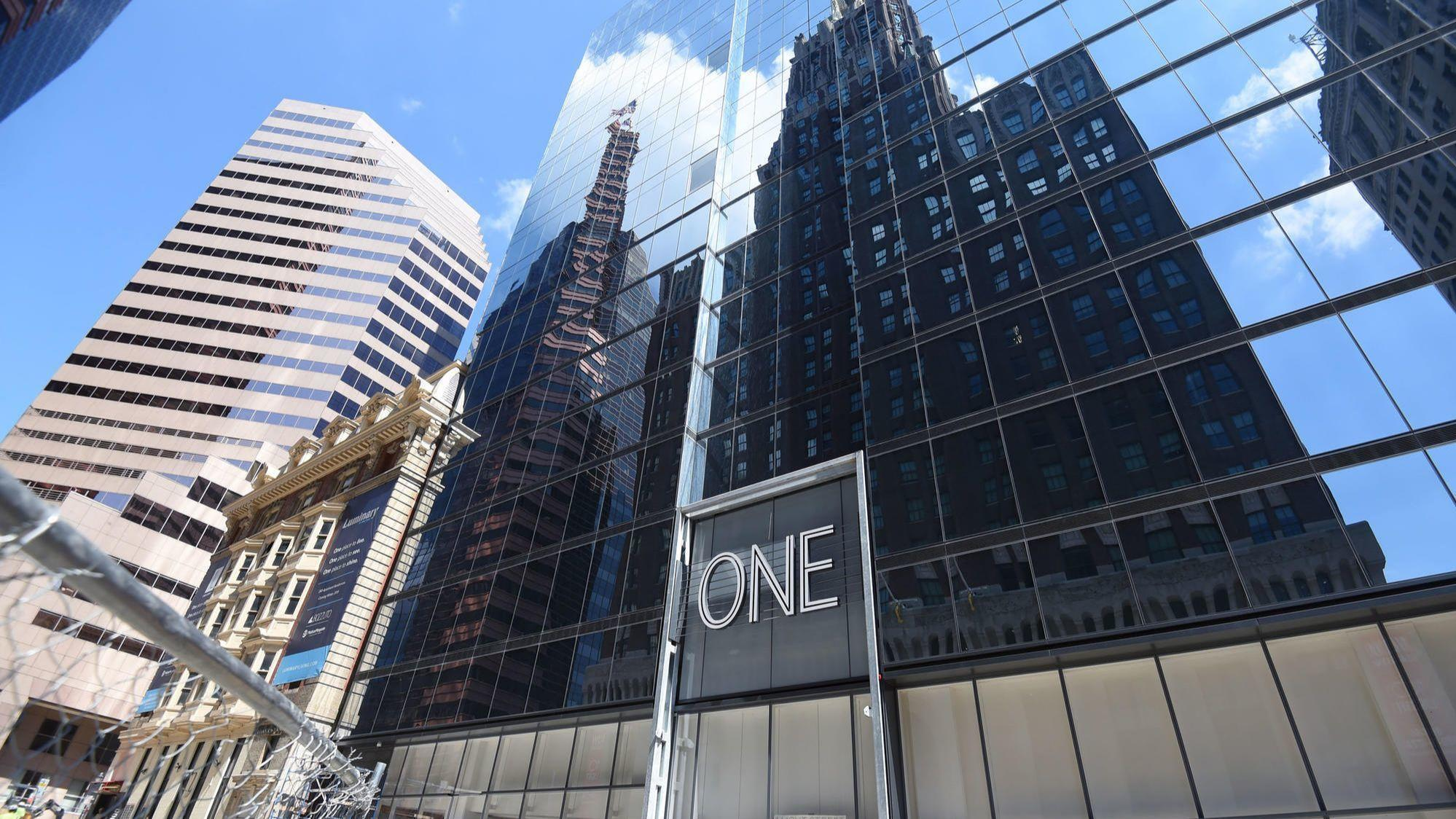 m t bank adorns new mid atlantic headquarters in downtown with