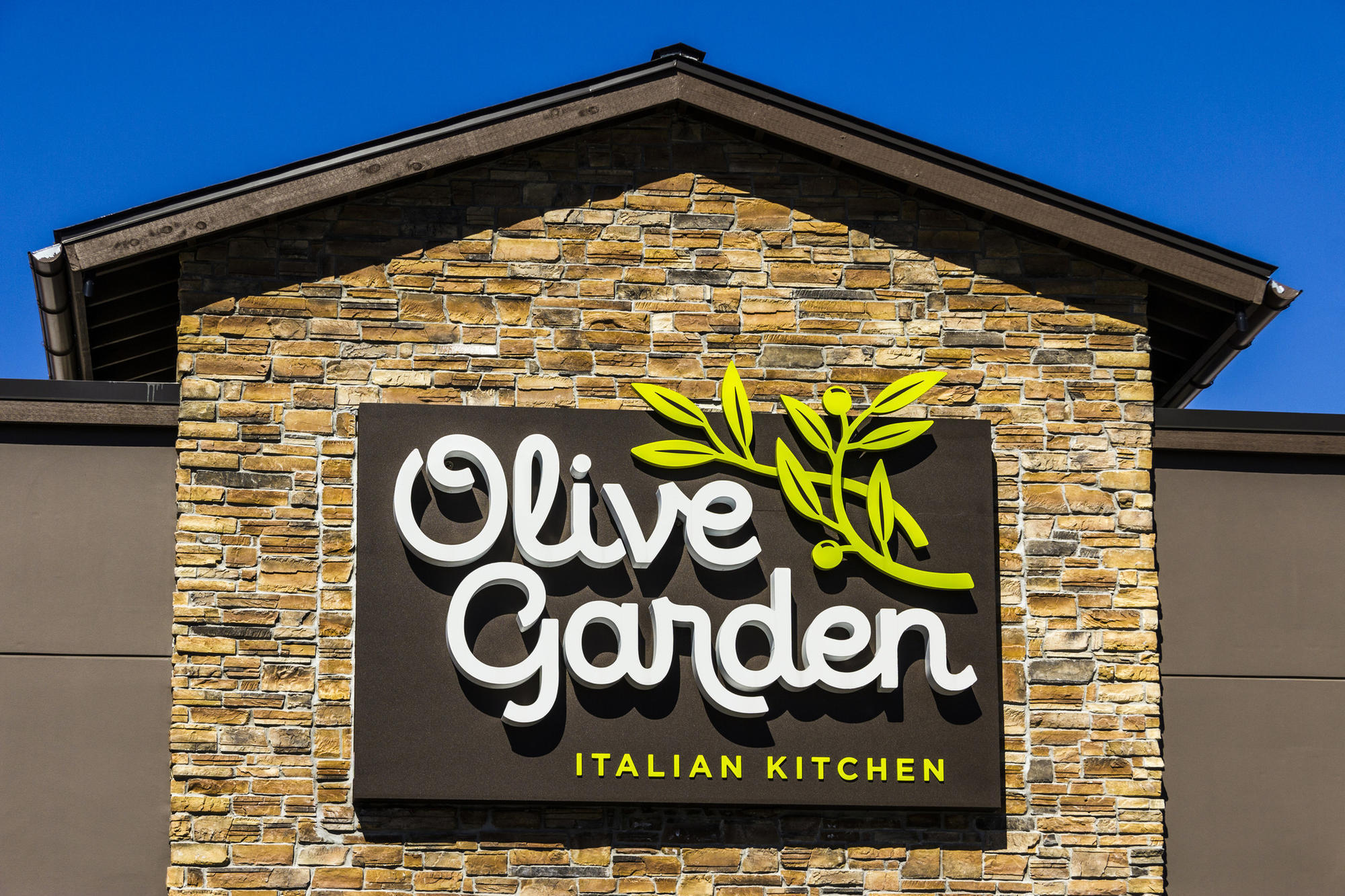 Olive Garden To Go Lifts Darden Profits: Diners Can't Get Enough Of Olive Garden As Darden Sales