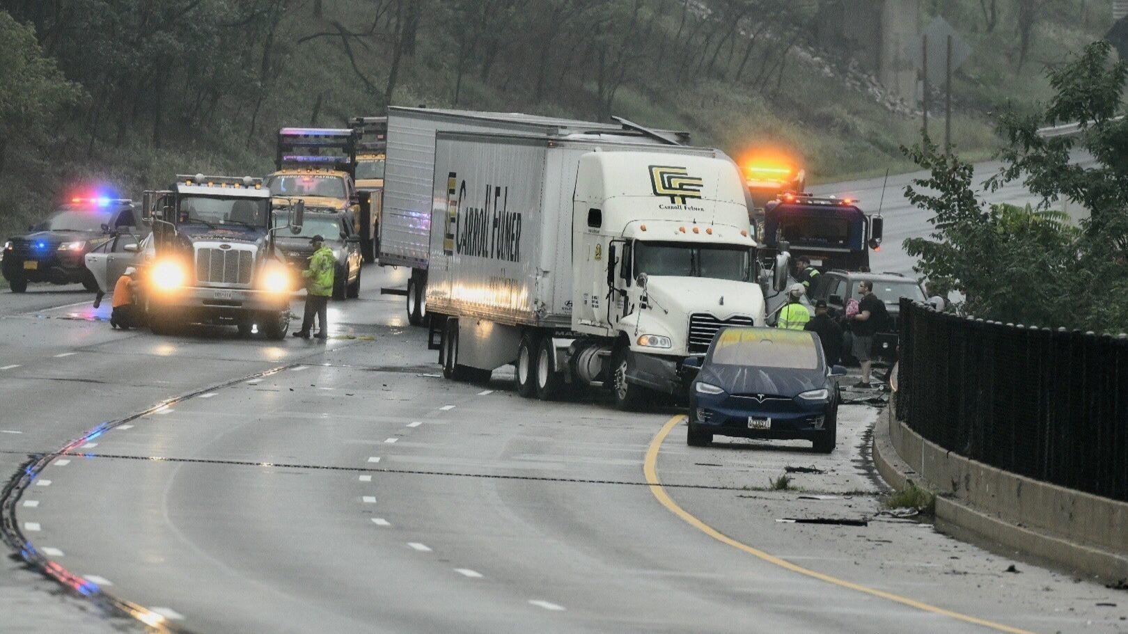 Semi Dump Trailers >> Tractor-trailer crash shuts down I-95 North in Howard County on Monday morning - Howard County Times