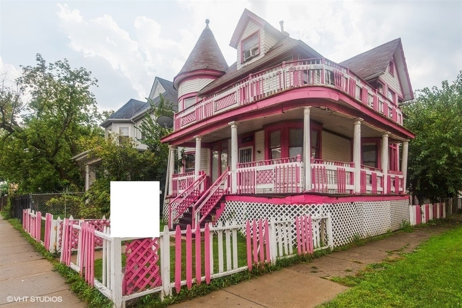 Flipboard Barbie S Chicago Dreamhouse Well Known Pink