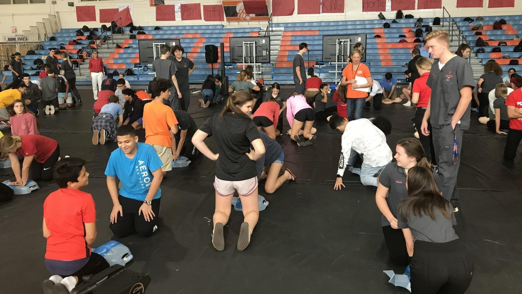 Stayin Alive Orange High Schoolers Learn Cpr In Countywide