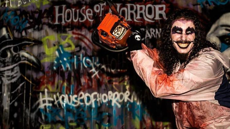 House of Horror Haunted Carnival en el Miami International Mall