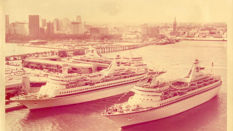 Classic cruise ships from yesteryear | Photos