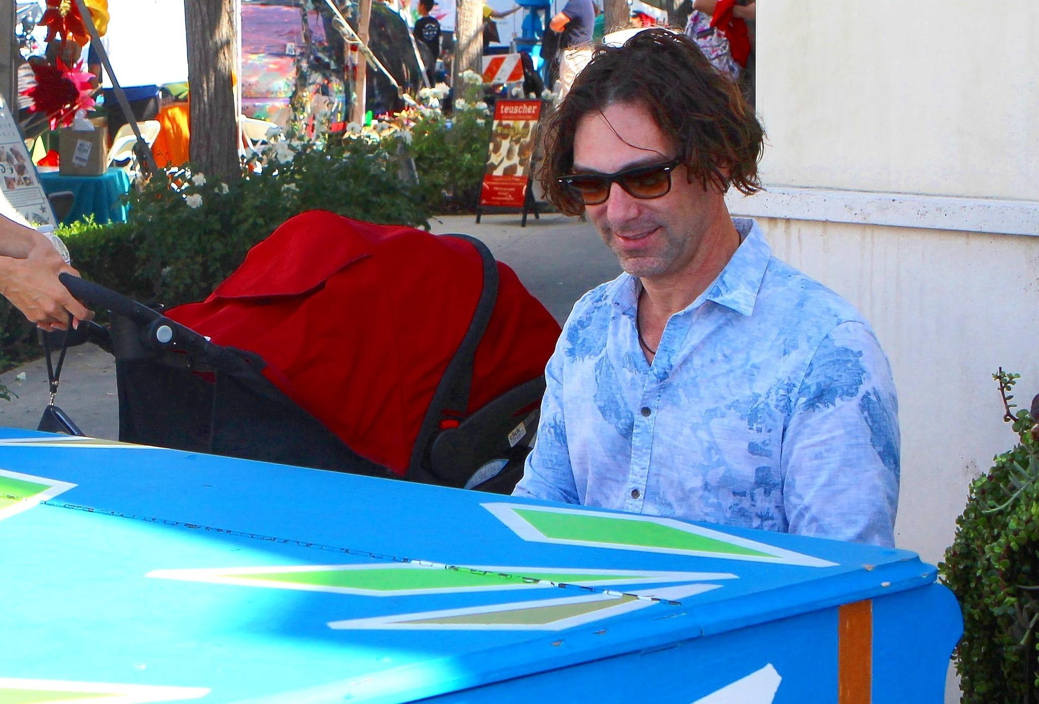 Professional musician Glenn Kramer