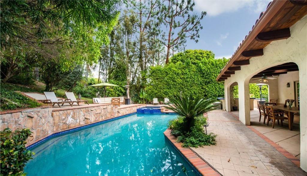 ABC newsman Matt Gutman snaps up a Spanish-vibe villa in Encino