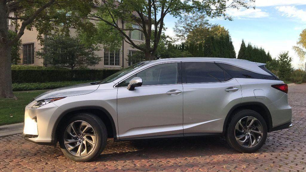 Review Lexus Rx 350l Has A Third Row But It Doesn T Fit Chicago Tribune