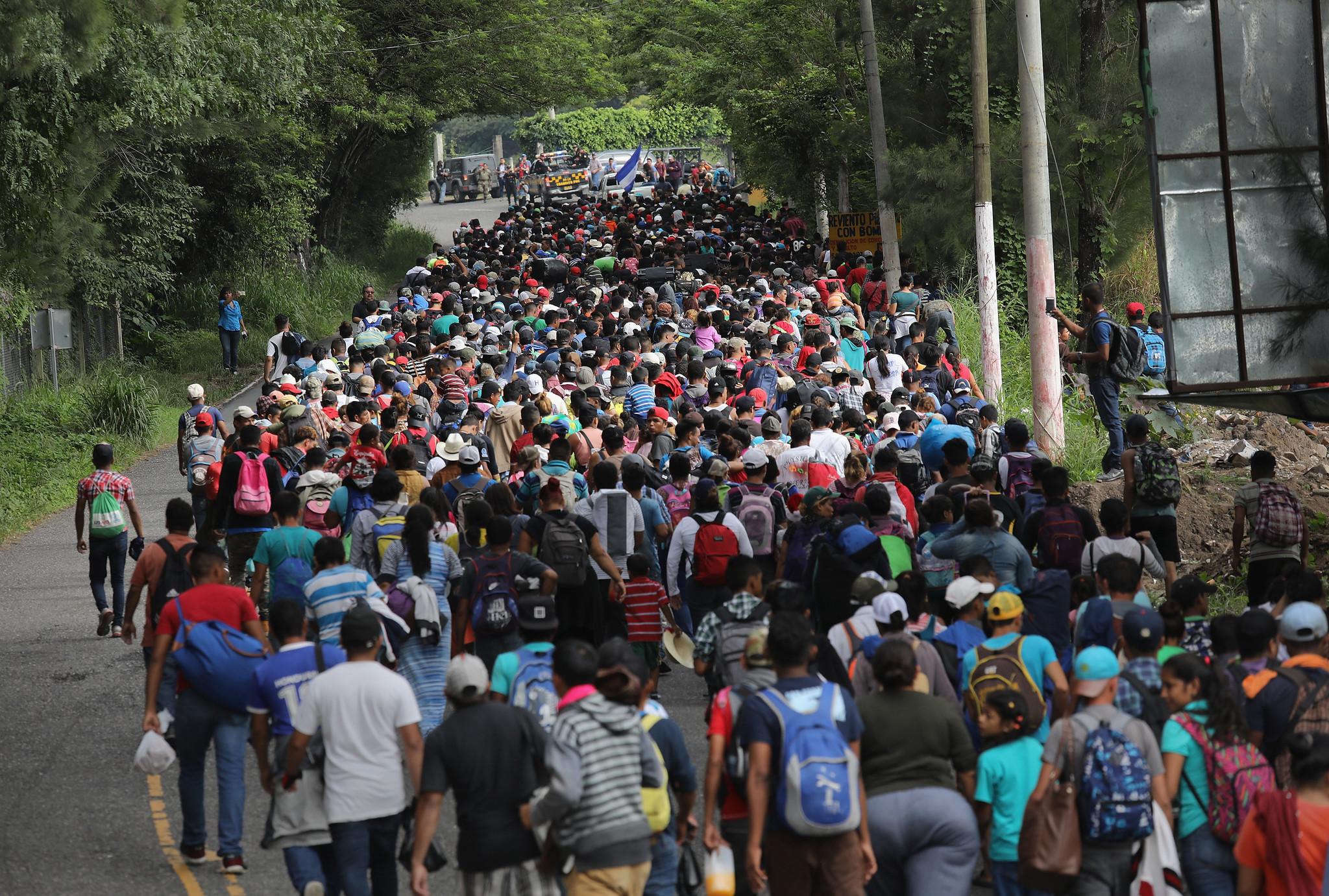 Trump Amenaza Con Cortar Fondos A Honduras Si La Caravana De Migrantes No Se Detiene Hoy Chicago