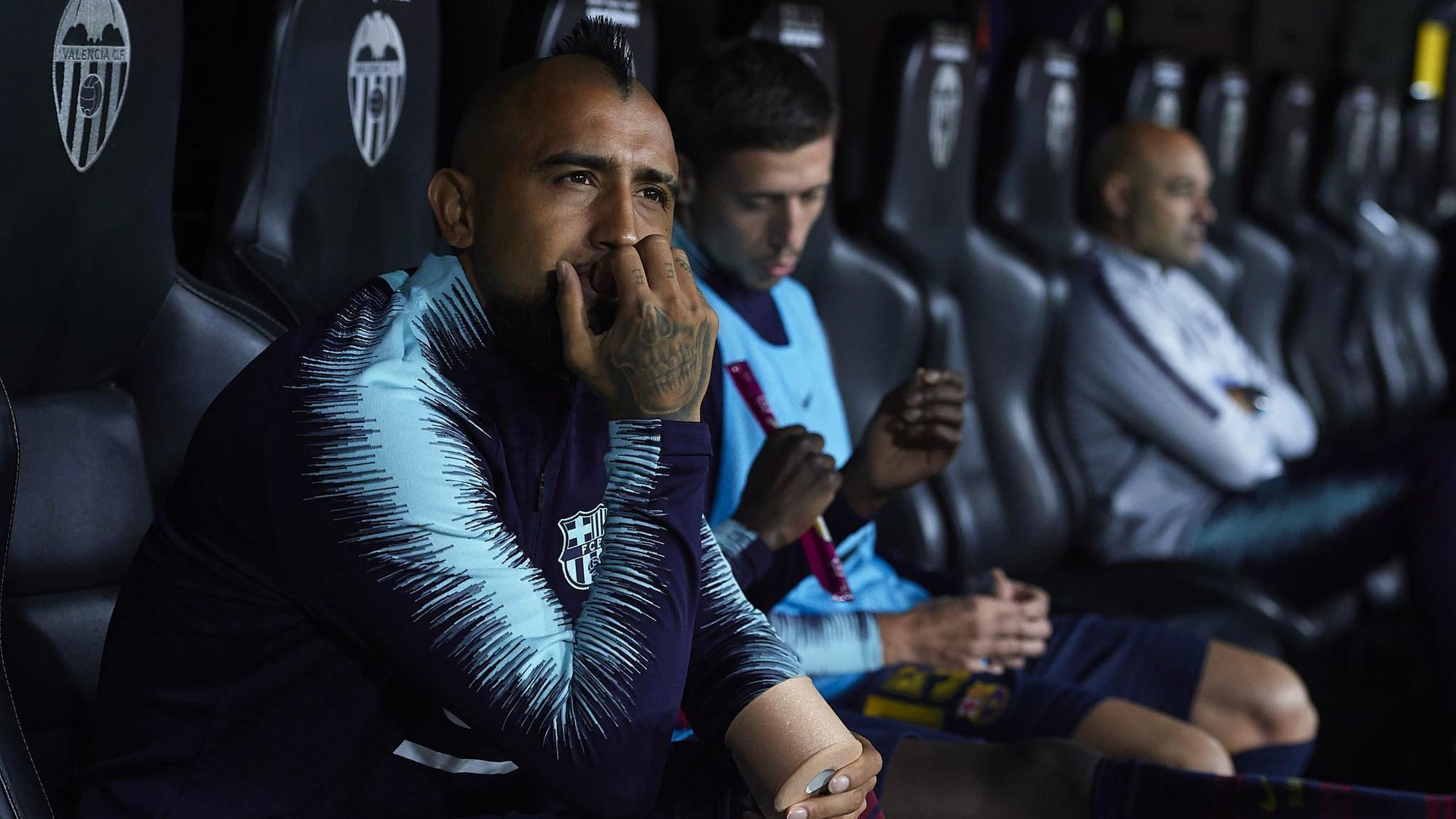 Barcelona midfielder Vidal fined for nightclub fight in Munich