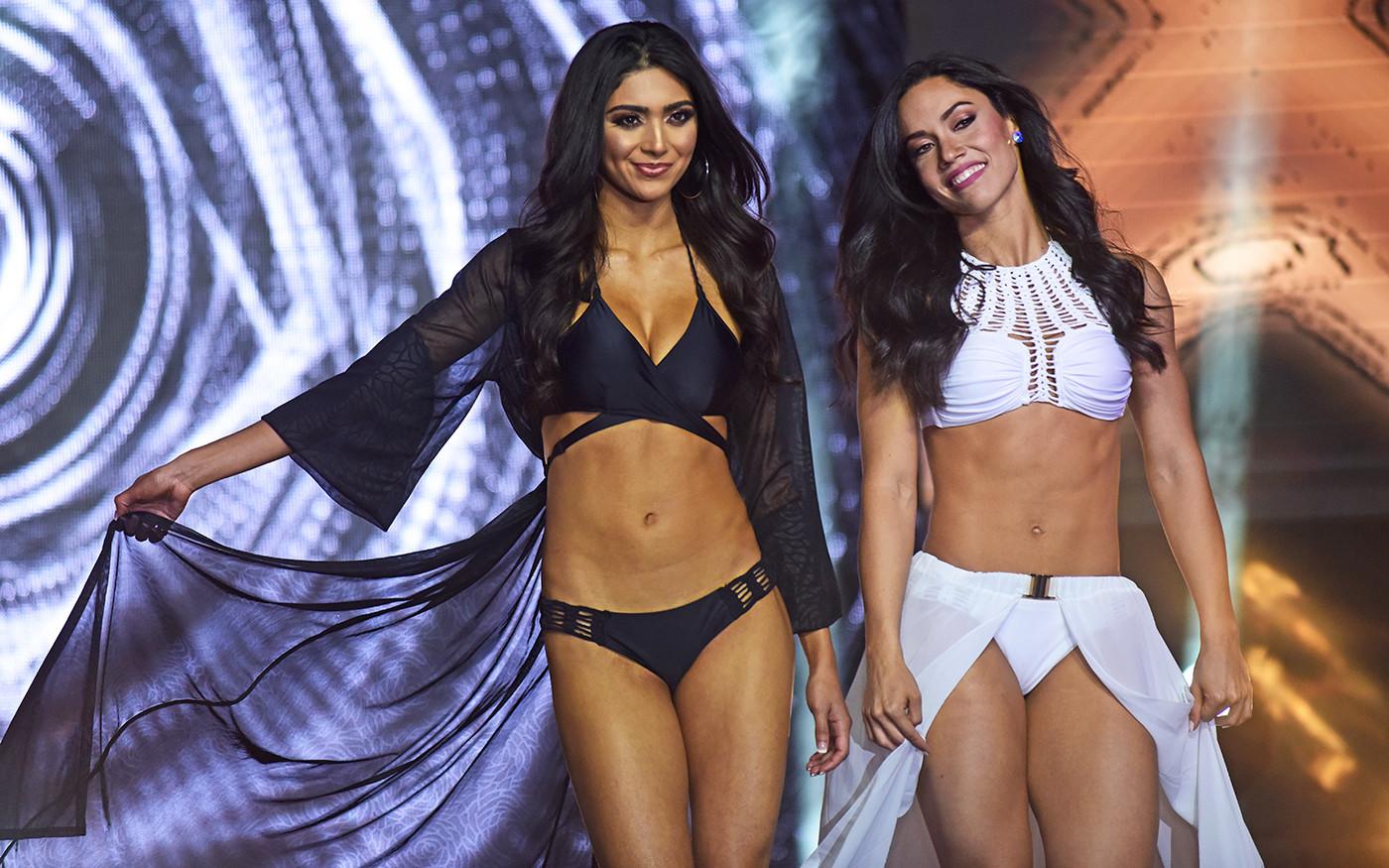 e77388622 Photos  2018 Miami Dolphins Cheerleaders Fashion Show - Sun Sentinel