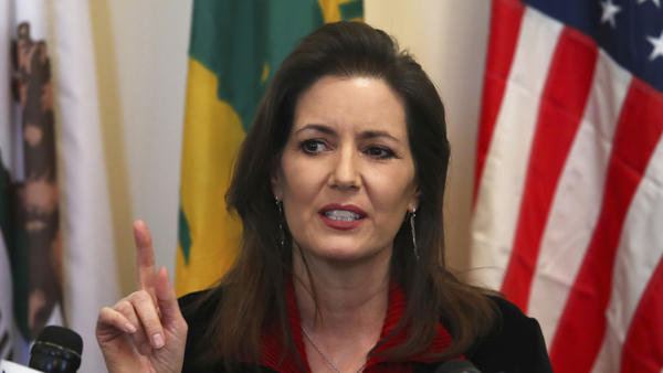 Justice Department reviewing Oakland mayor's tipoff of immigration raids, which led to 232 arrests