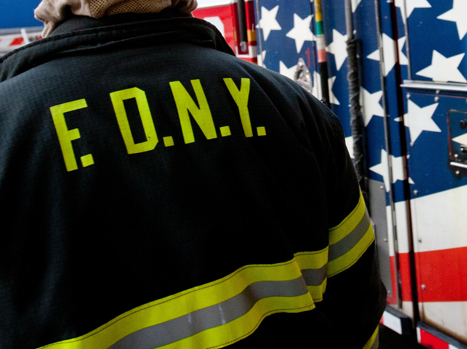 Off-duty FDNY firefighter arrested for choking girlfriend in Manhattan
