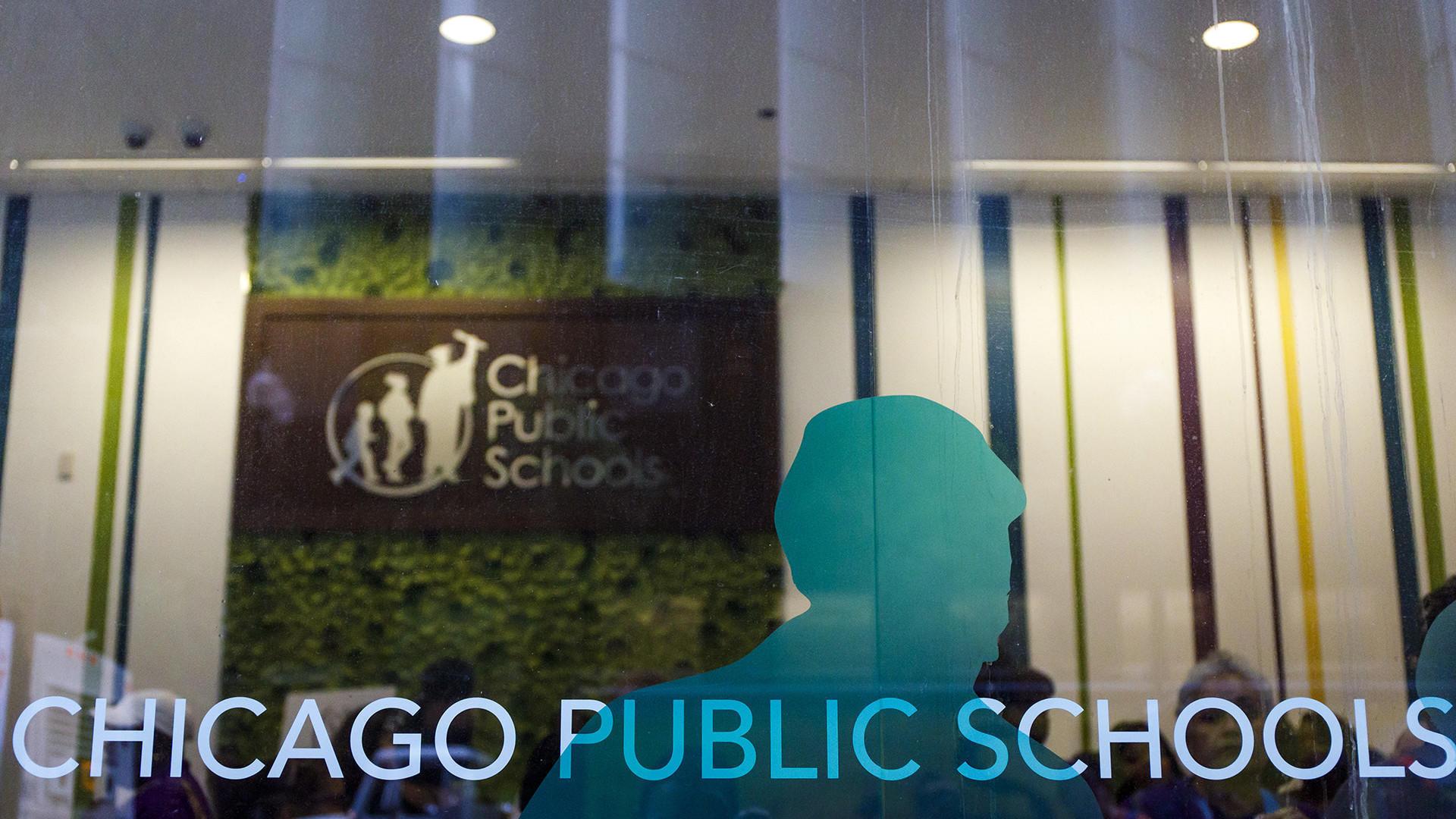 Chicago Public Schools Enrollment Drops By 10000 Students Chicago