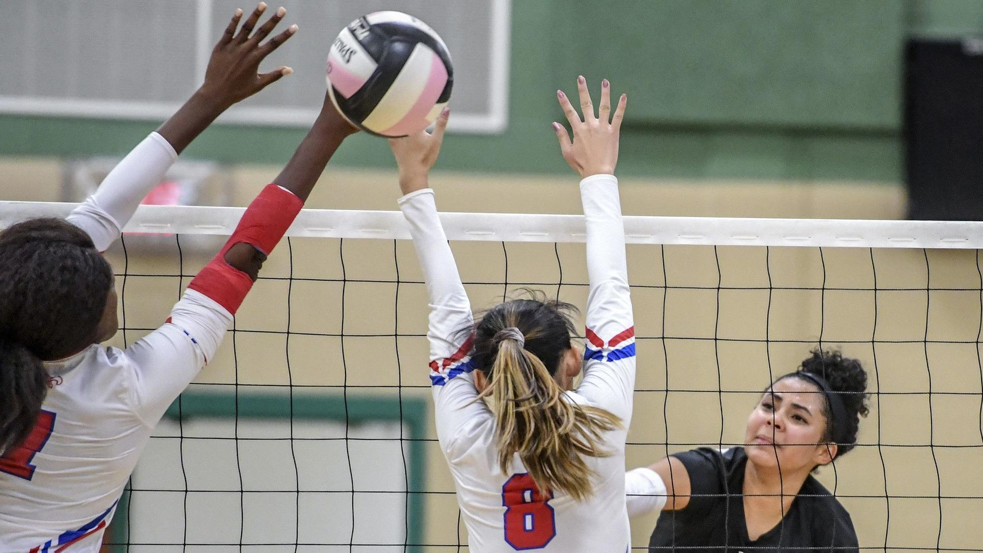 Atholton volleyball sweeps Centennial to win second ...