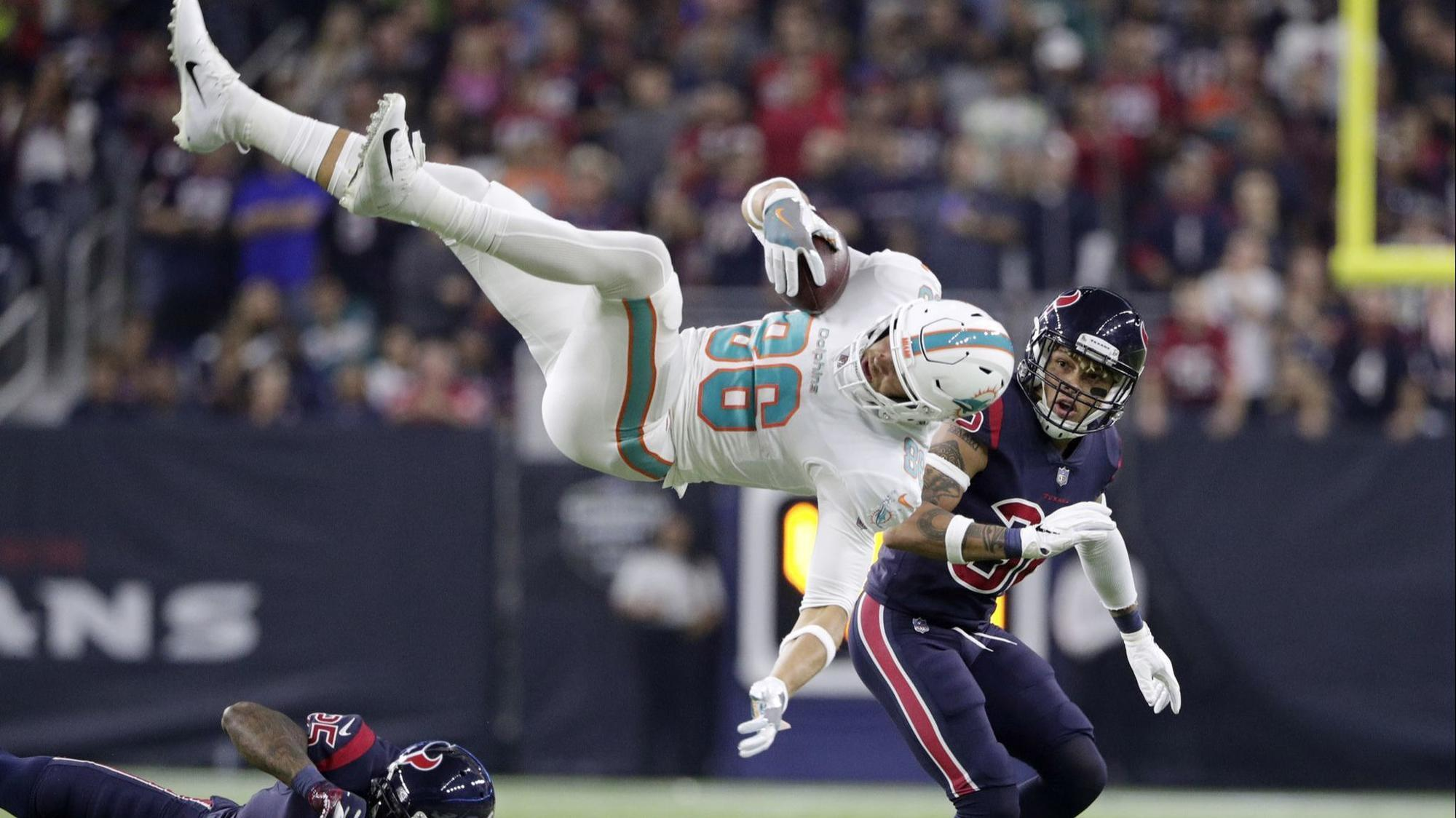 e28c90e6d Dolphins hope jumping Mike Gesicki makes better decisions before taking  flight - Sun Sentinel