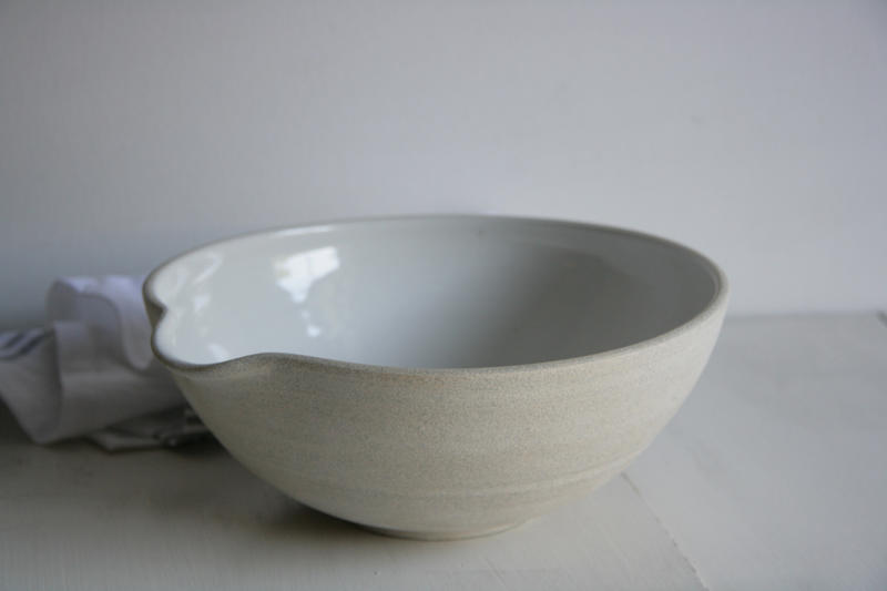Mixing pour bowl