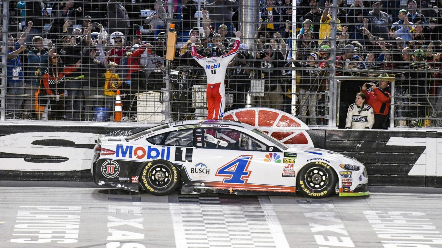 Kevin Harvick Earns His Shot At NASCAR Cup With Title Texas