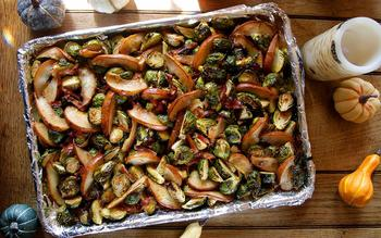 Roasted brussels sprouts with pears and black forest ham