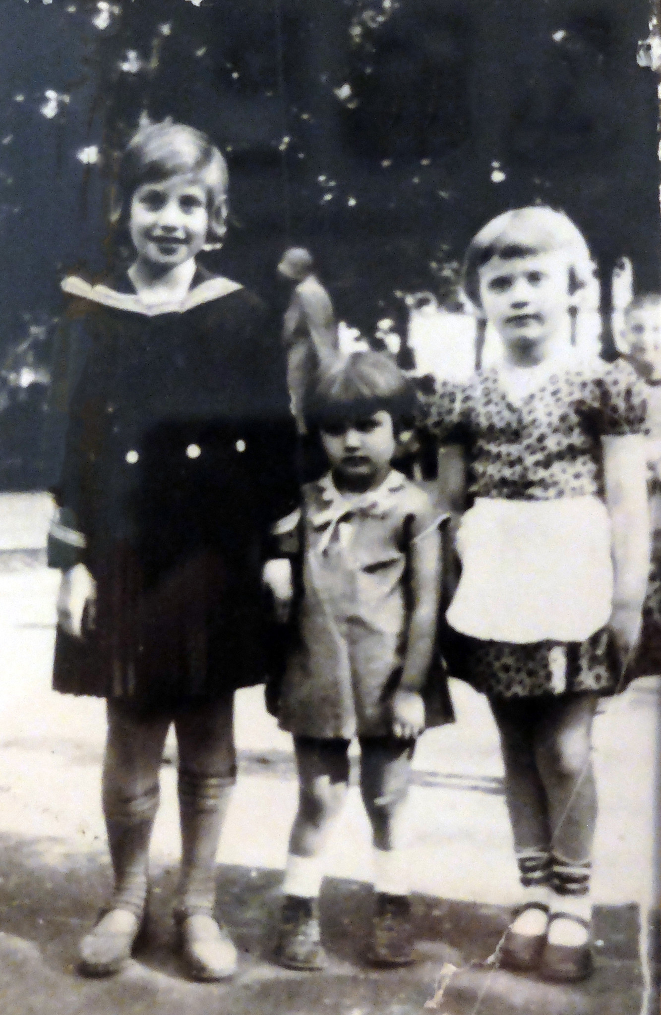 Sisters Magda, Edith and Clara pose on some long-forgotten vacation in the early 1930s.