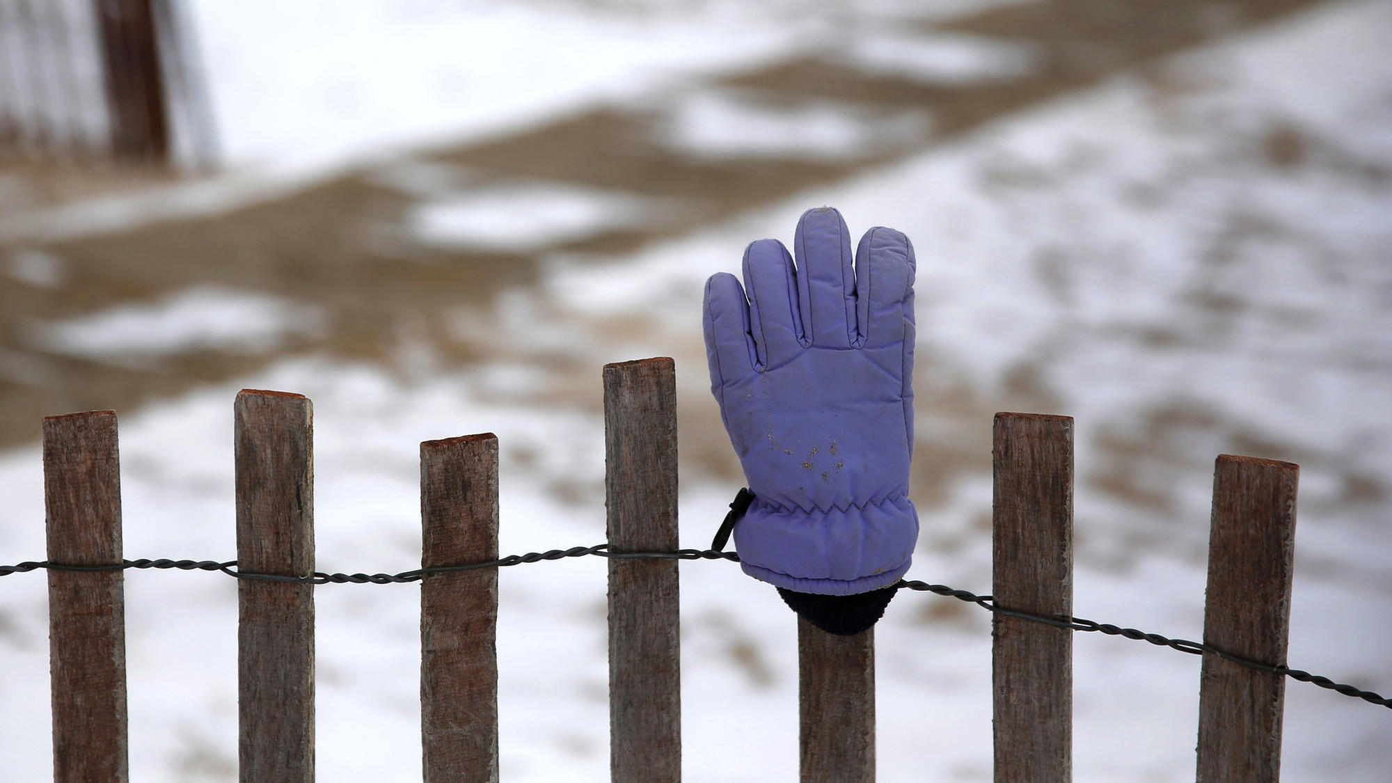 Oh, the woe of a lost winter glove! - Chicago Tribune