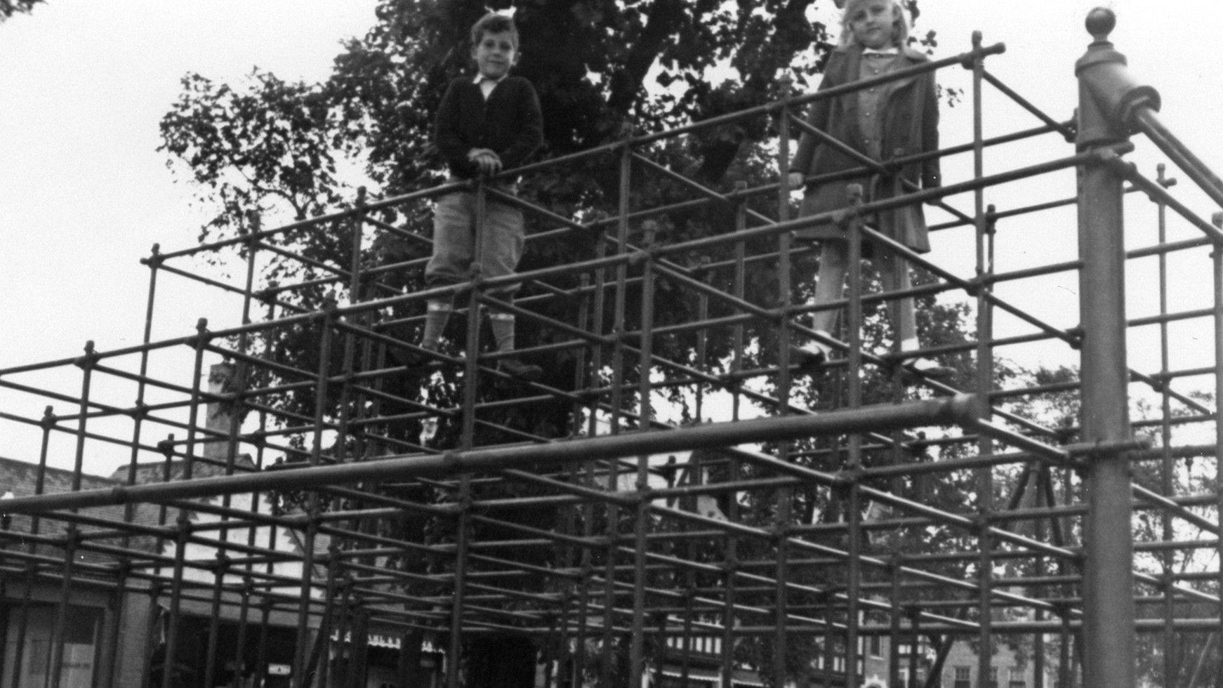 In Winnetka, the jungle gym was born. A look at its evolution, from sky-high rusted pipes to soft, risk-averse playgrounds