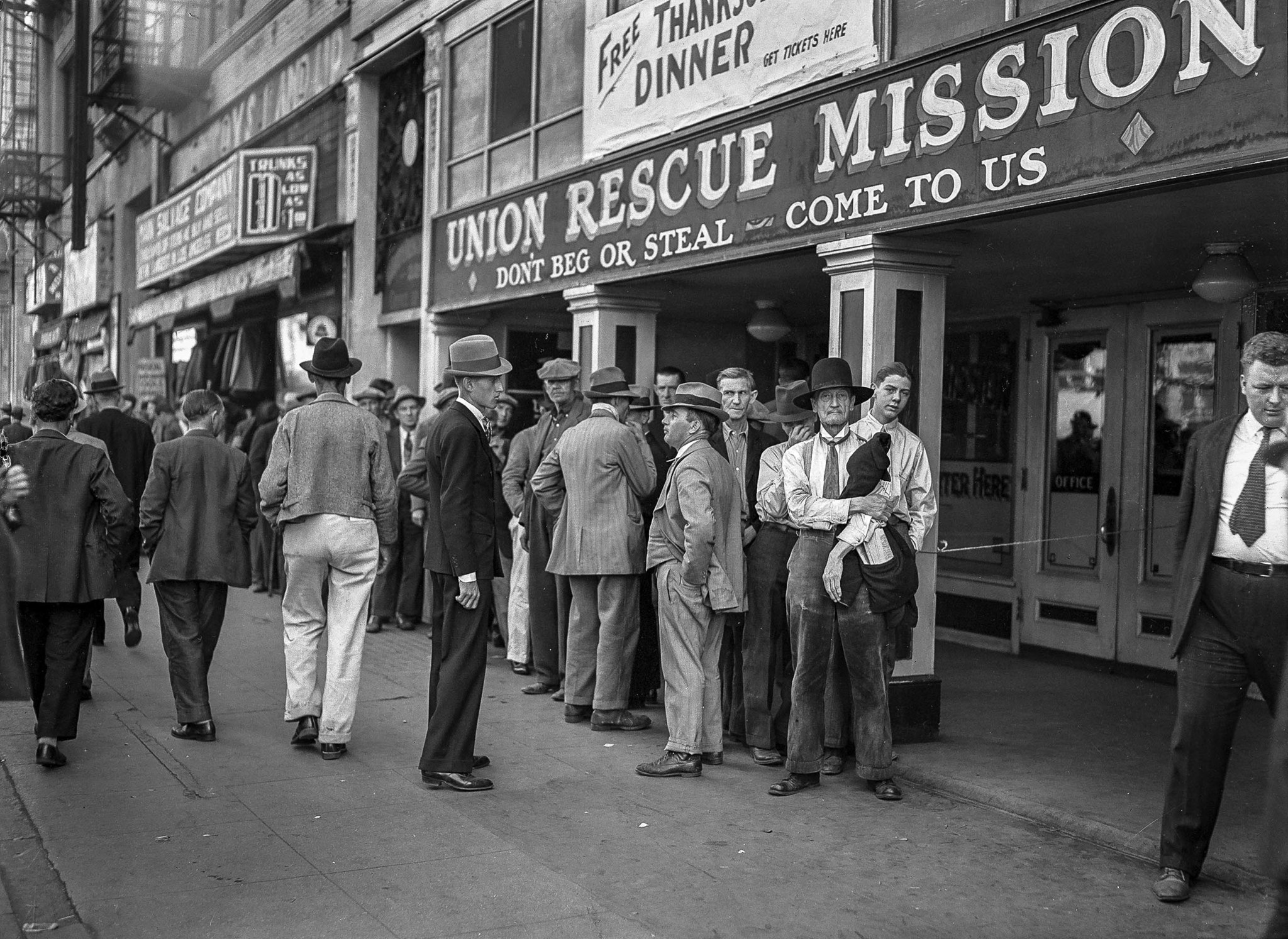 Nov. 26, 1936: Men lined up outside Union Rescue Mission for Thanksgiving meal, Los Angeles, Calif.