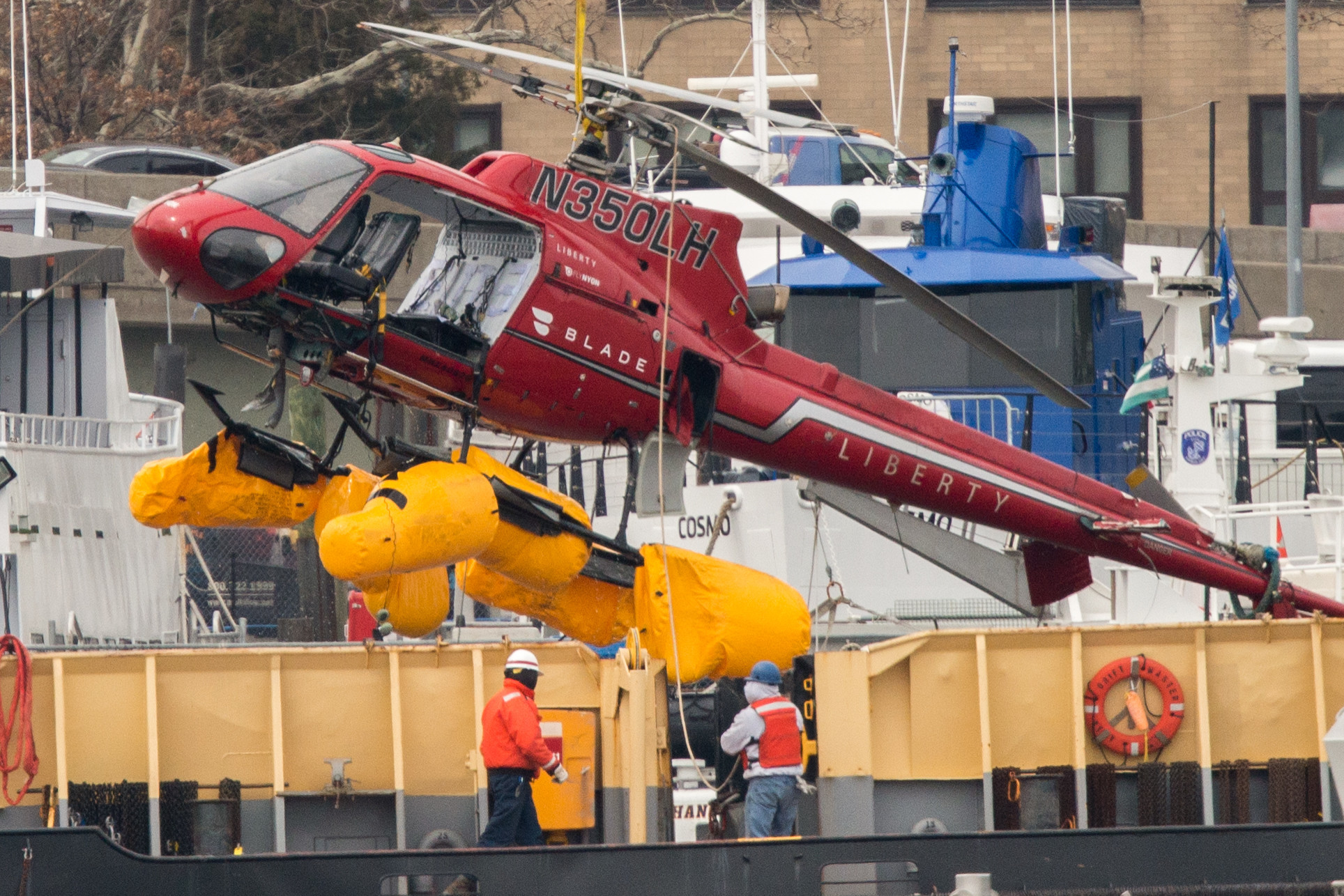 Big enough to fly a helicopter through: Investigators blame loophole for East River chopper crash that killed 5 passengers