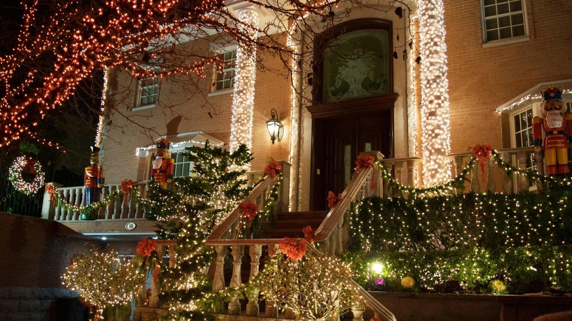 Lights, Music And Markets: New York City Over The Holidays ...