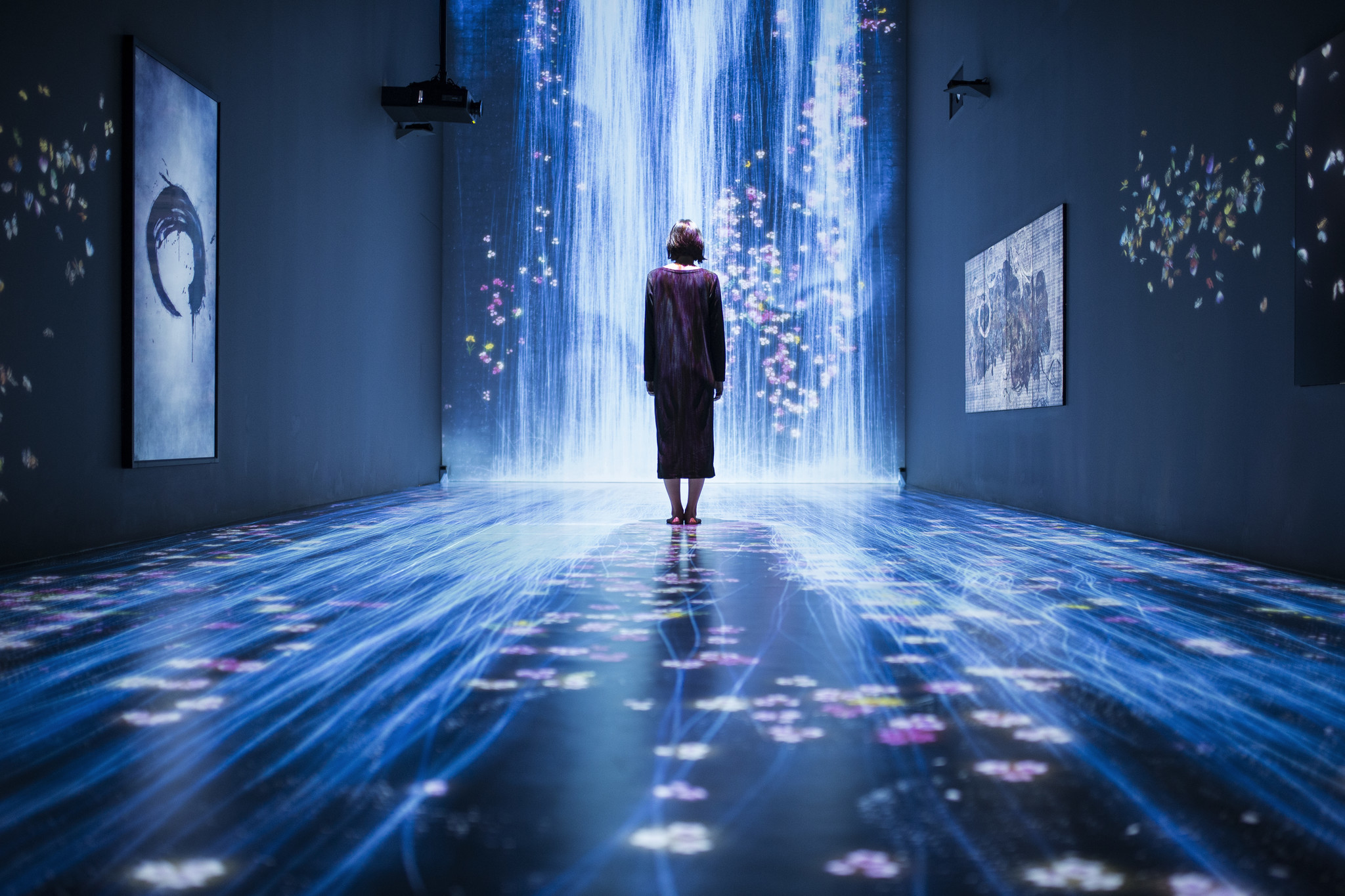 "Installation view of ""teamLab: Transcending Boundaries,"" 2017, as it appeared at Pace Gallery in London last year."