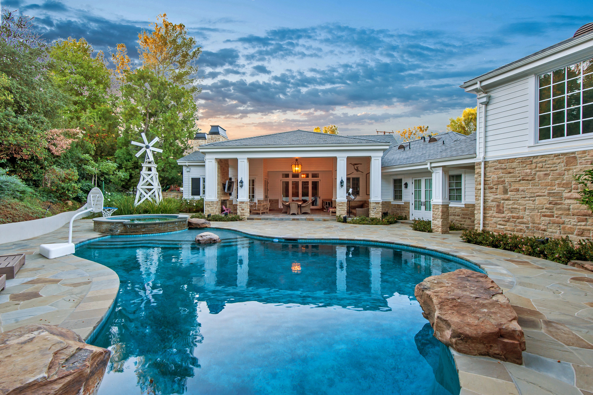 In a trade between local sports stars, Lakers center Tyson Chandler sold his Hidden Hills home to fo