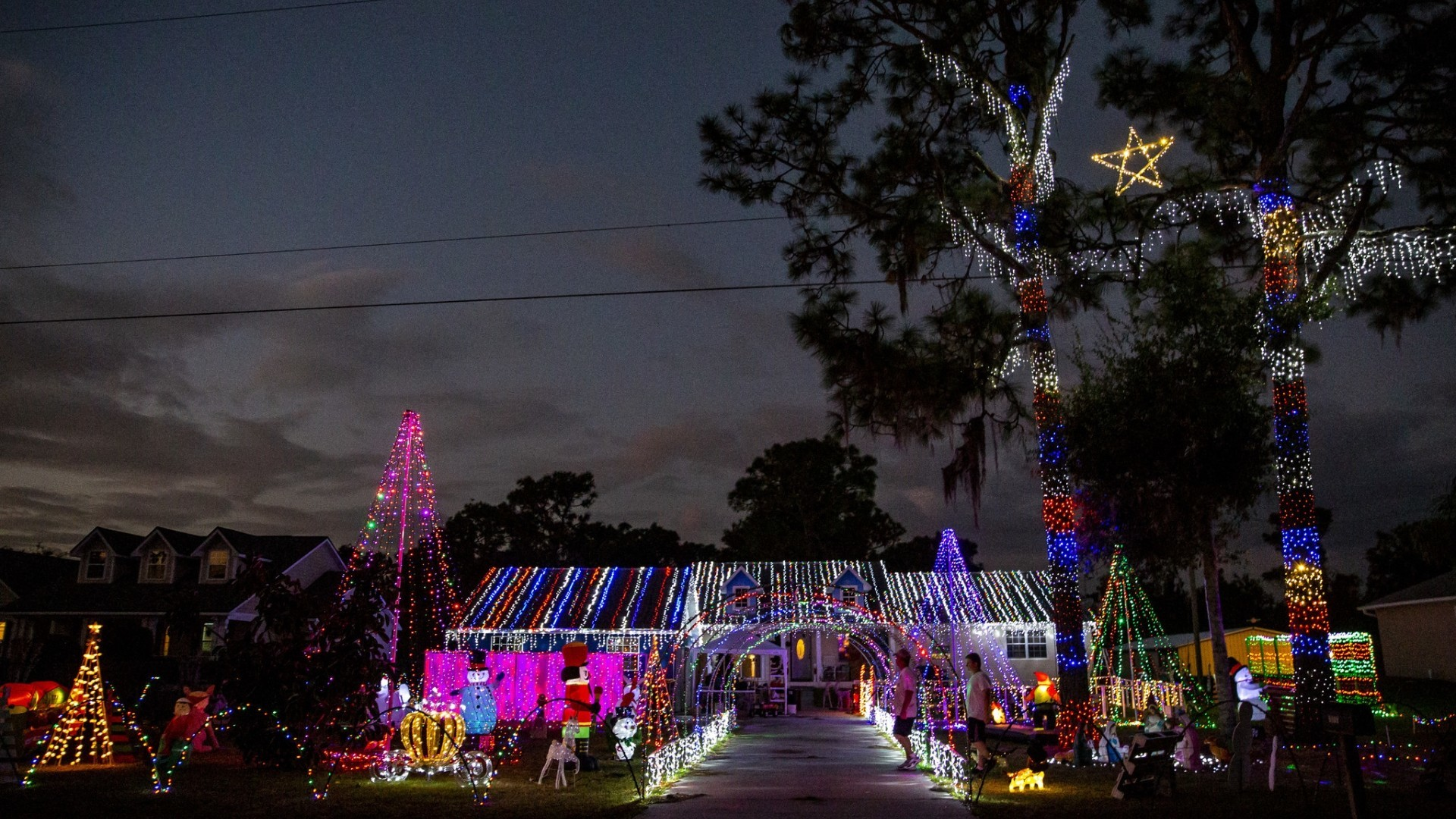 Johnson family makes Christmas miracles happen with annual lights ...