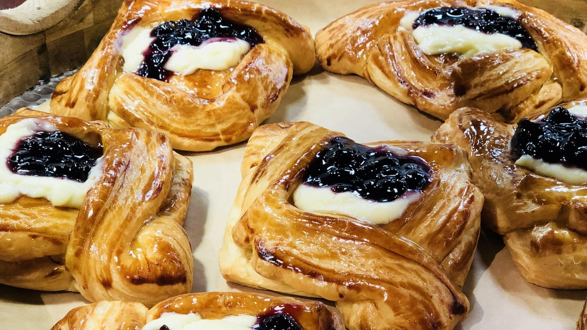 Mexican And European Pastries At A New Logan Square Bakery