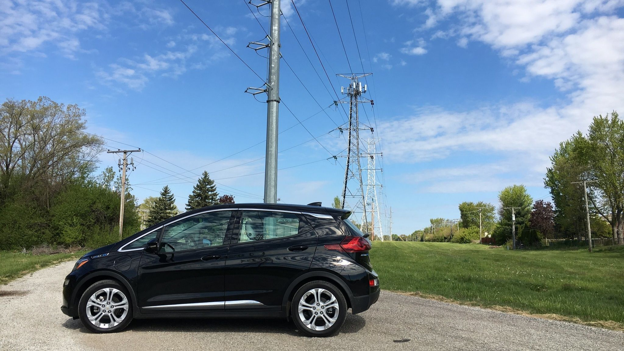 Gm Fights Feds To Keep 7 500 Electric Vehicle Tax Credit