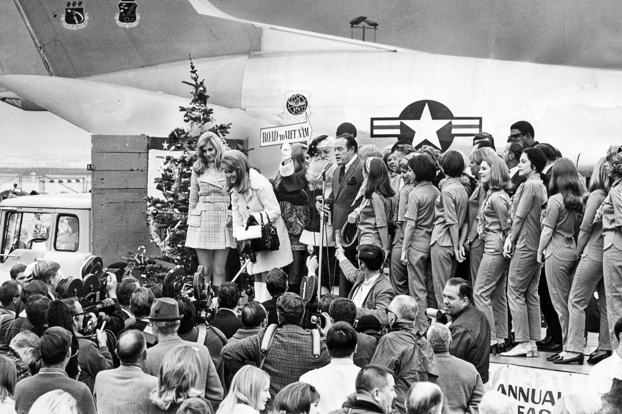 Dec. 14, 1968: Bob Hope and members of his troupe prepare to leave for Vietnam on a flight from LAX.