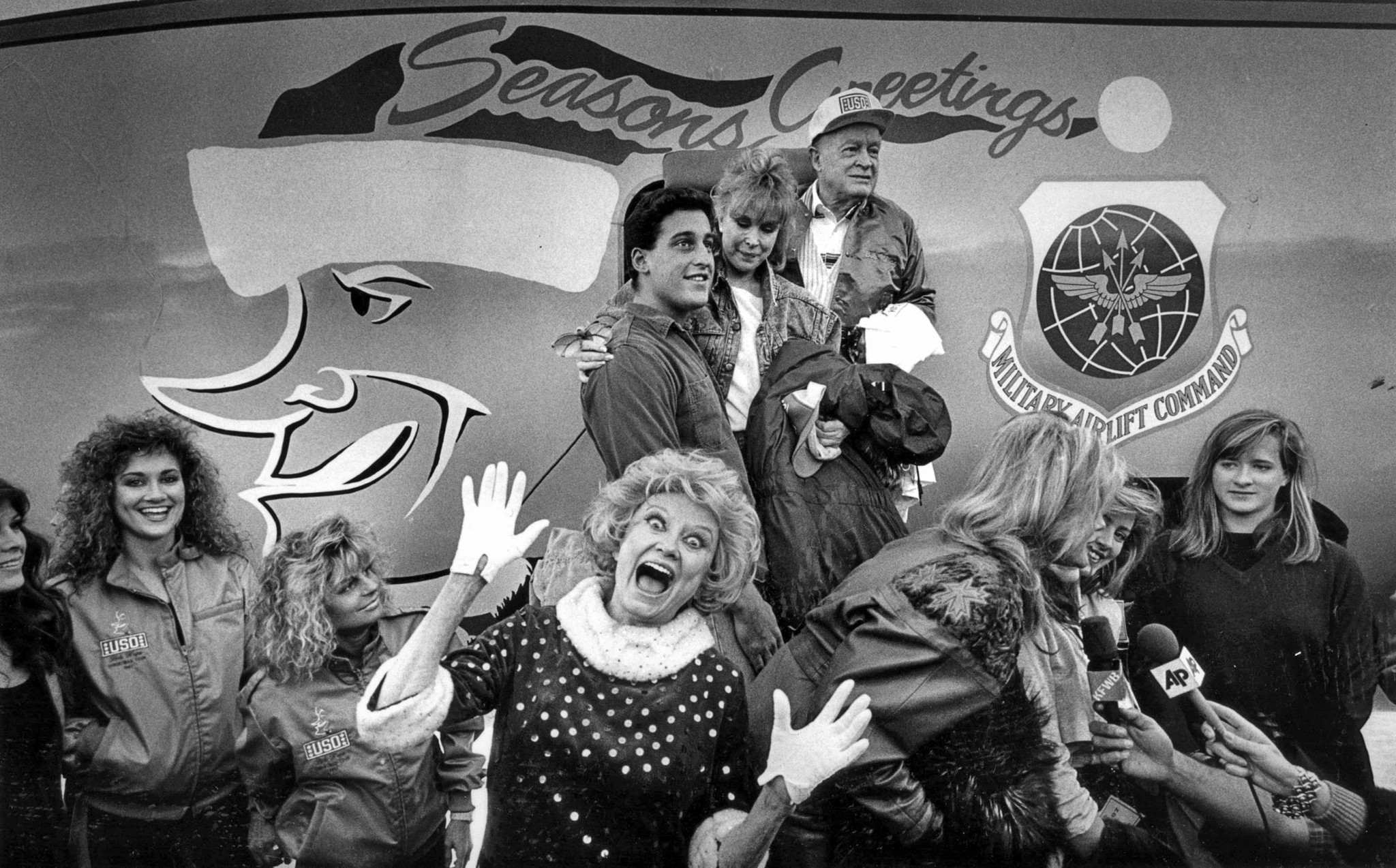 Dec. 21, 1987: Phyllis Diller hams for the camera during send-off for Bob Hope and other entertainer