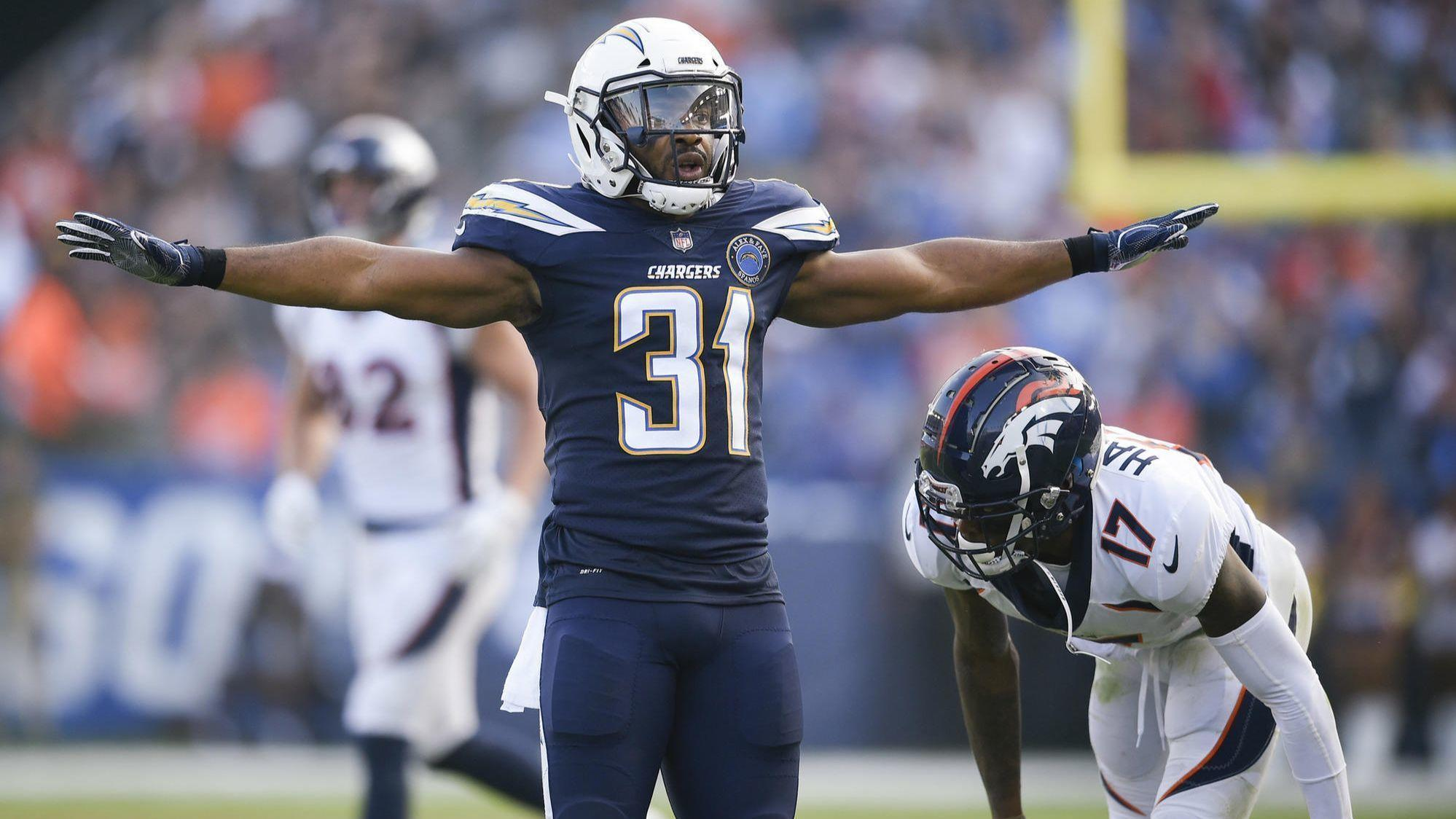 La-sp-chargers-adrian-phillips-chiefs-20181211