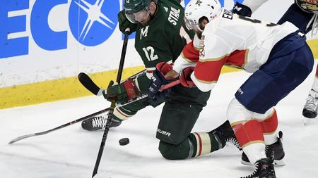 12334233513 Wild score five straight goals to rout visiting Panthers