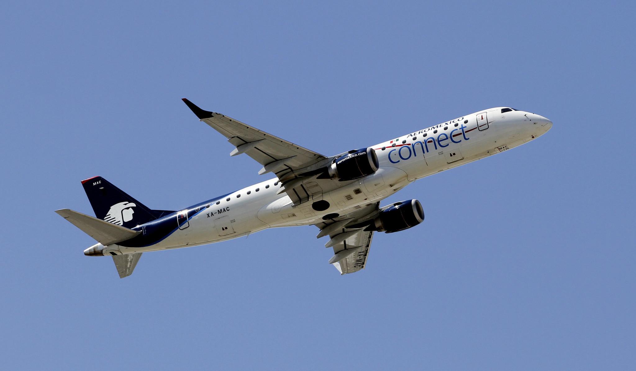 Boeing 737 damaged in possible drone crash near U.S.-Mexico border