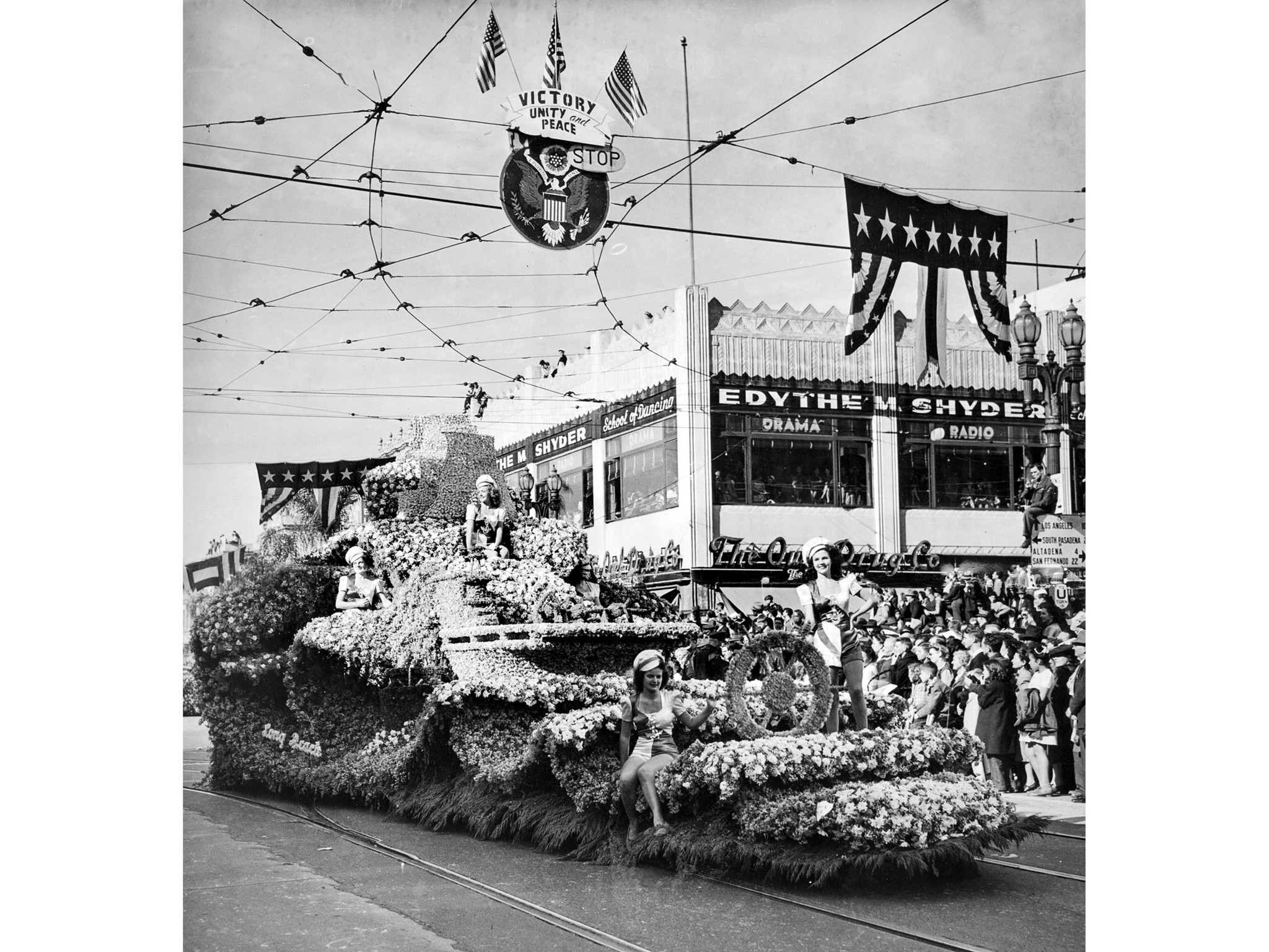 Jan. 1, 1946: The Long Beach Float won the Sweepstake award in the annual Tournament of Roses parade