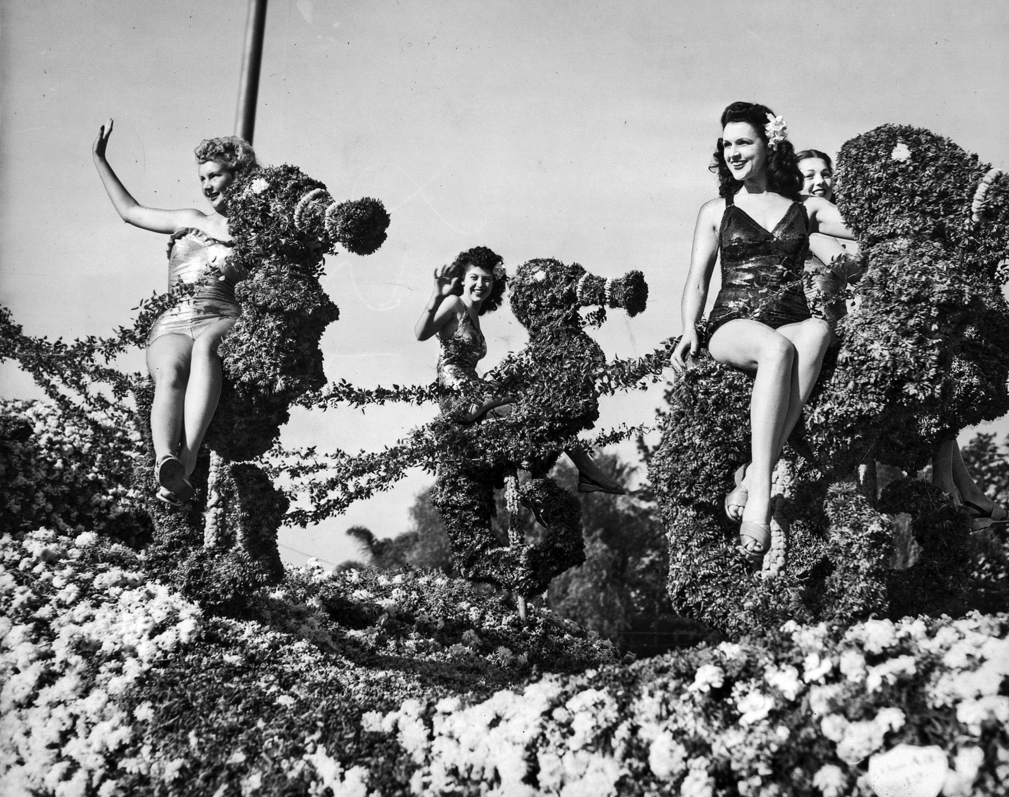 "Jan. 1, 1947: ""Holiday the Year Round,"" Tournament of Roses parade float entered by San Pedro, featu"