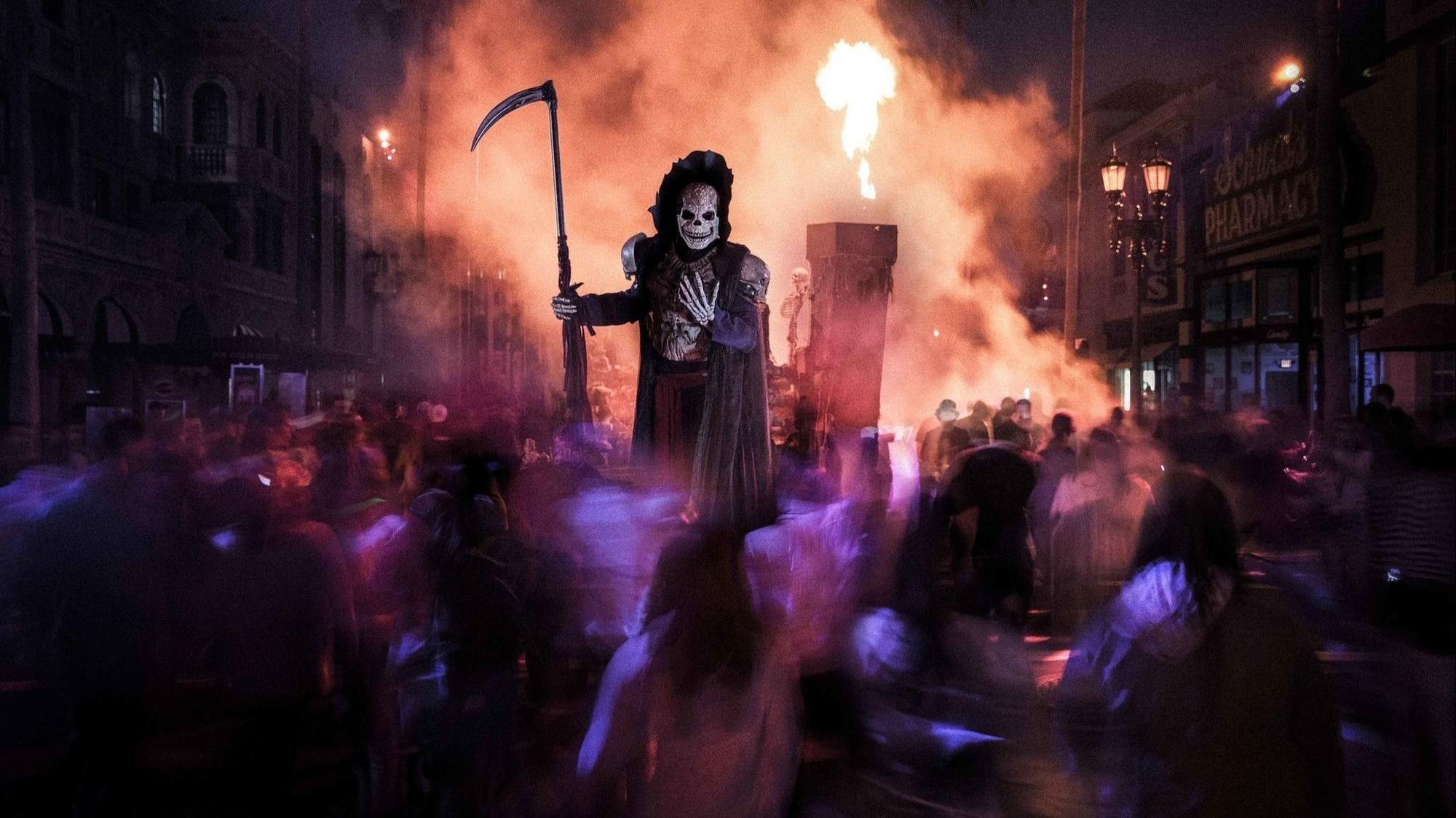 universal starting halloween horror nights even earlier in 2019
