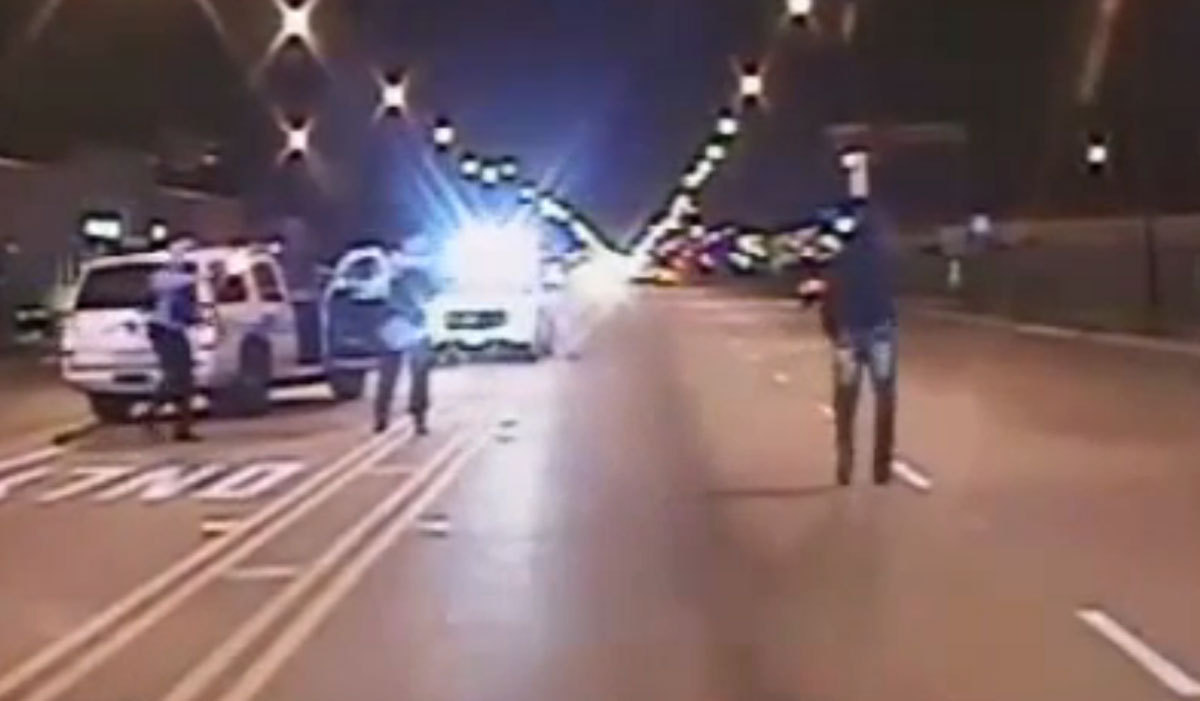 Warning, graphic content: Laquan McDonald shooting dash-cam