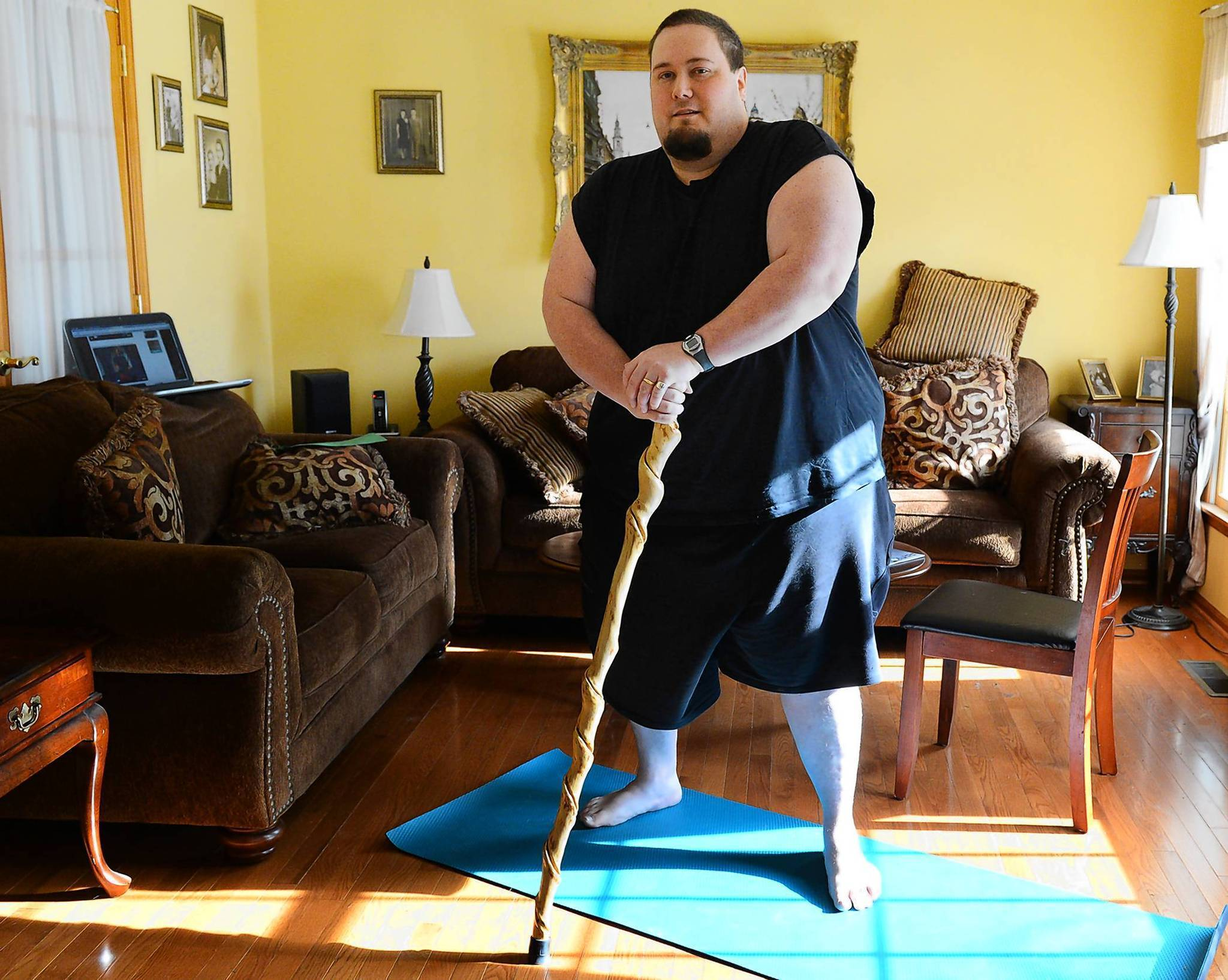 Nazareth Father Seeks To Lose 200 Pounds Through Diamond Dallas Page S Yoga The Morning Call