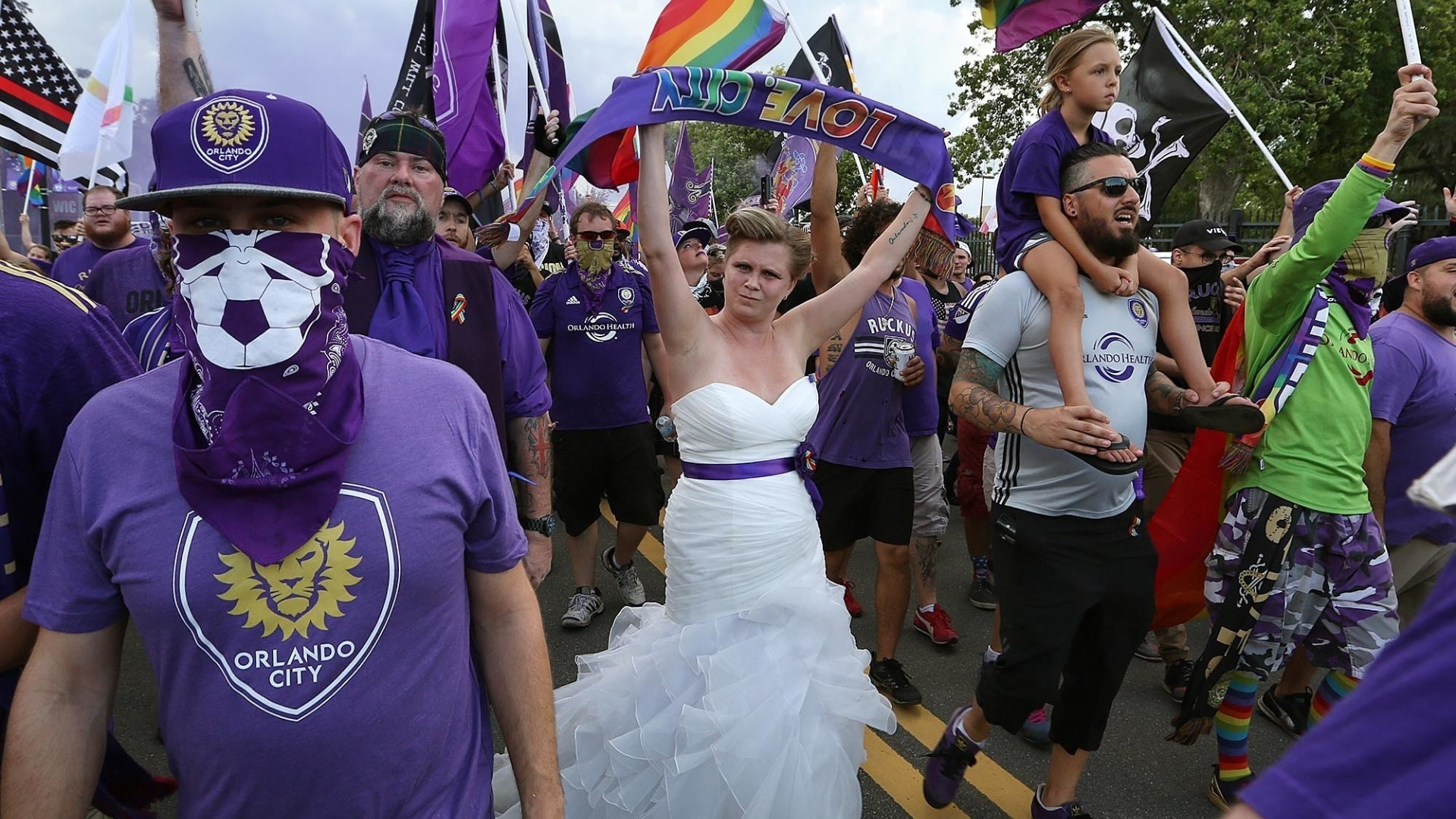 Orlando City Fan Shows Up To Game In Wedding Dress Orlando Sentinel