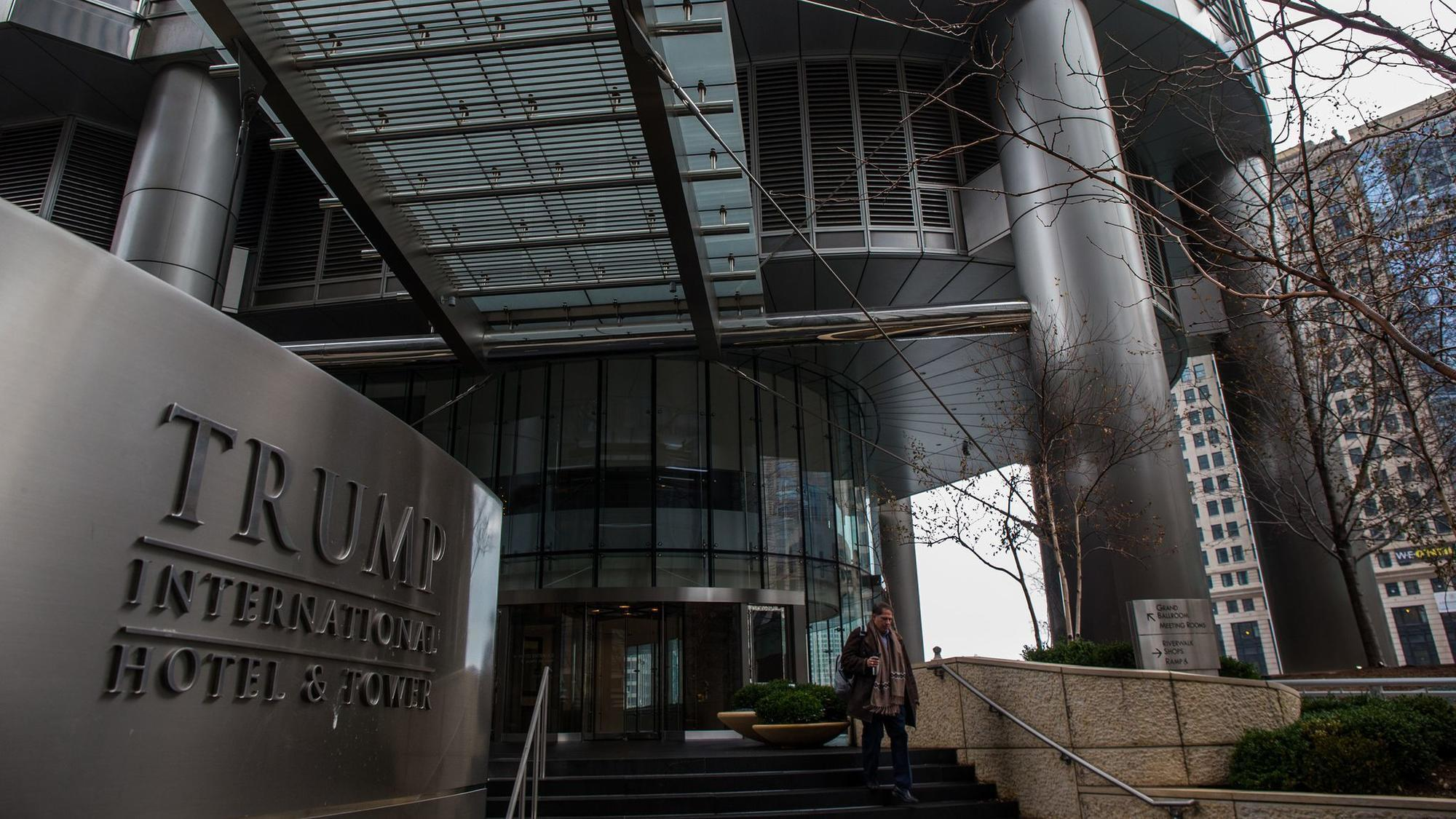 Police find no evidence of women being held hostage at R. Kelly's Trump Tower residence
